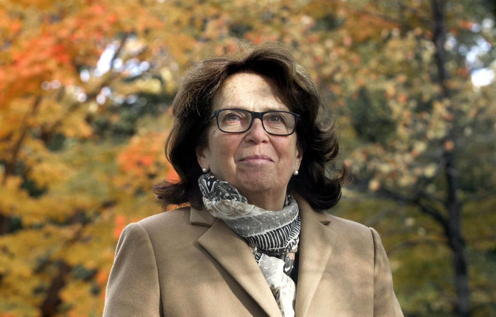 La mairesse d'Outremont, Marie Cinq-Mars, a confirmé vendredi que l'arrondissement irait de l'avant avec la tenue d'un référendum sur son projet de règlement.