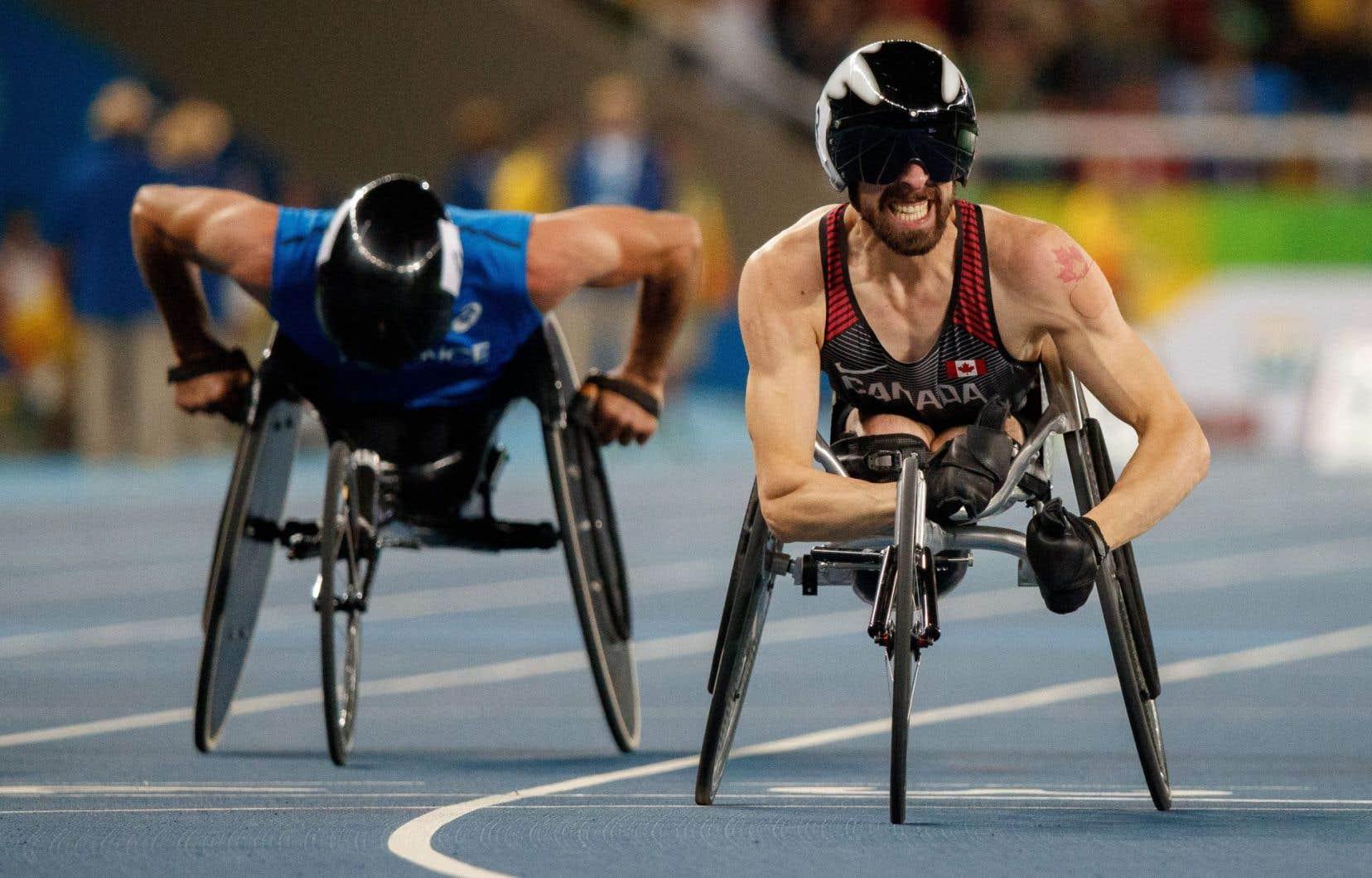 Le Québécois Brent Lakatos a triomphé lors du 100 m vendredi.