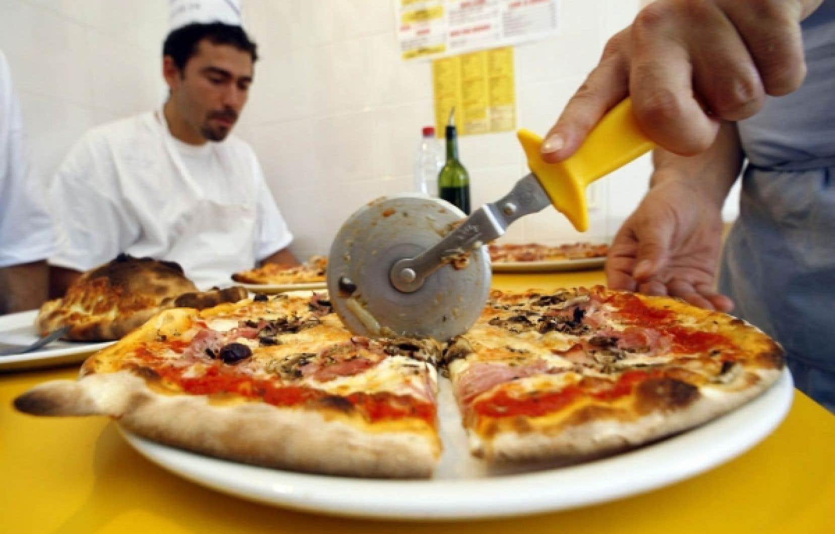 La pizza est un des plats les plus consommés au monde, mais sa qualité et sa composition varient énormément.