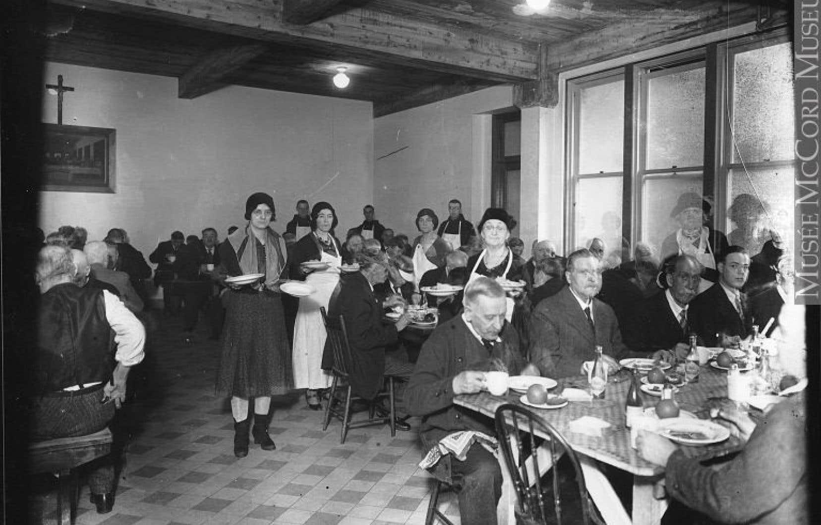 Soupe populaire à Montréal en 1931, en pleine Grande Dépression