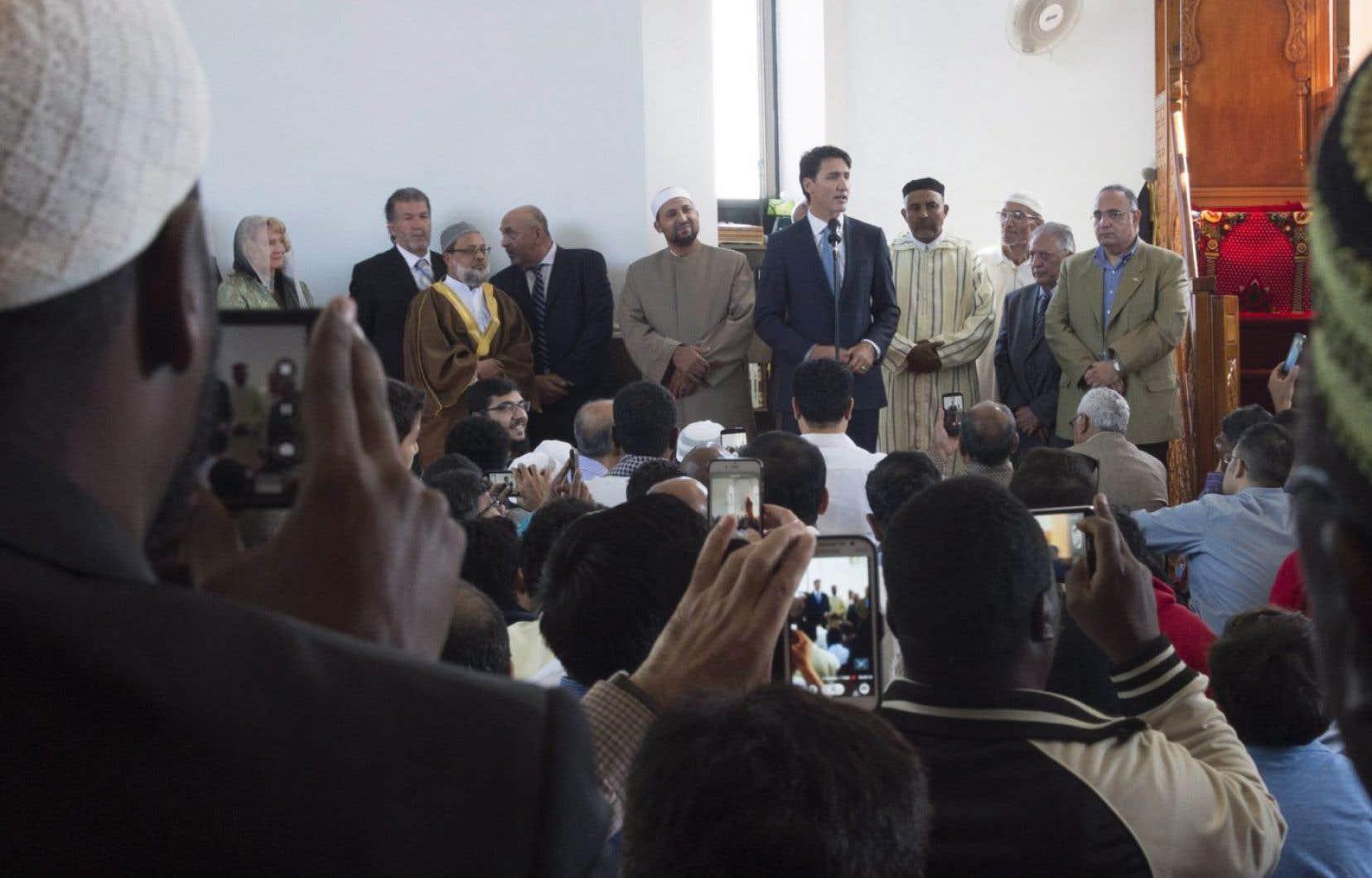Justin Trudeau s'est rendu lundi à l'Ottawa Muslim Association pour prononcer quelques mots devant les musulmans réunis pour célébrer la fête du sacrifice.