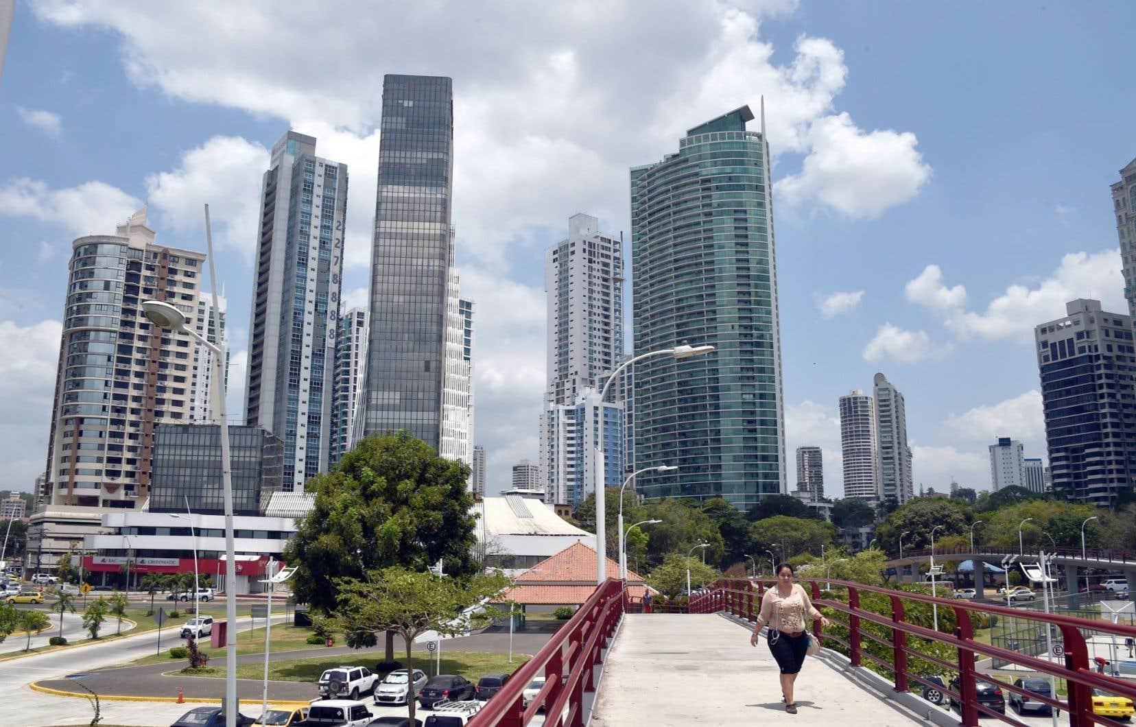 Les grandes institutions financières et les entreprises multinationales ont appris à délocaliser facticement au Panama, à la Barbade, au Luxembourg ou à Hong-Kong.