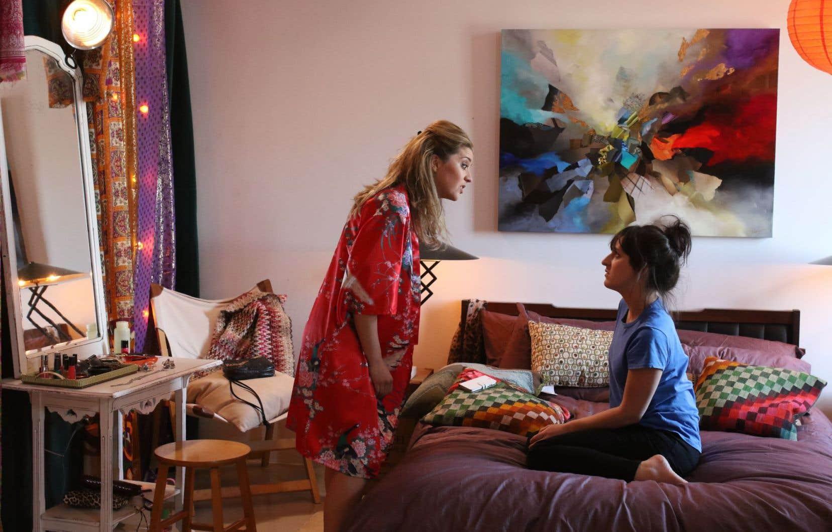 La comédie dramatique «Les Simone», écrite par Kim Lévesque Lizotte,compte 13 épisodes de 30 minutes.