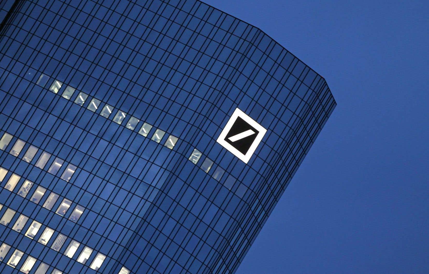 L'agence de notation Standard and Poor's a estimé que la note BBB + attribuée à Deutsche Bank n'était pas affectée par ces négociations aux États-Unis.