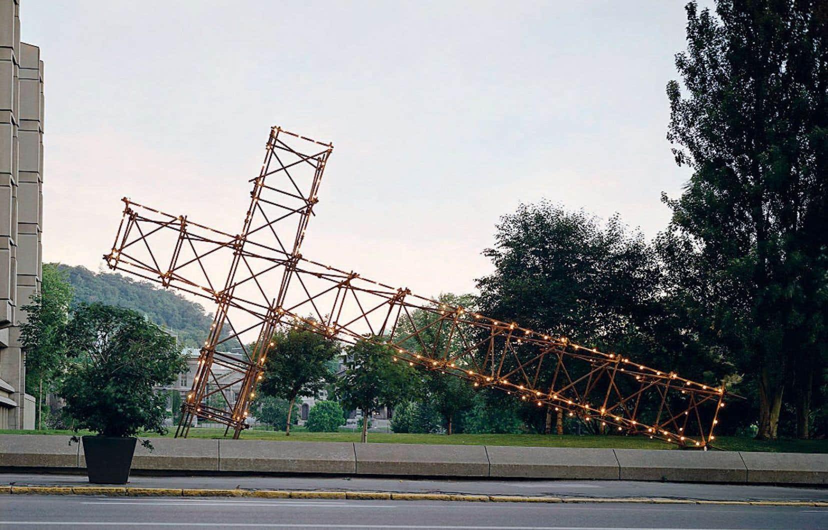 «La croix du mont Royal», de Pierre Ayot, lors de l'événement Corridart (1976).