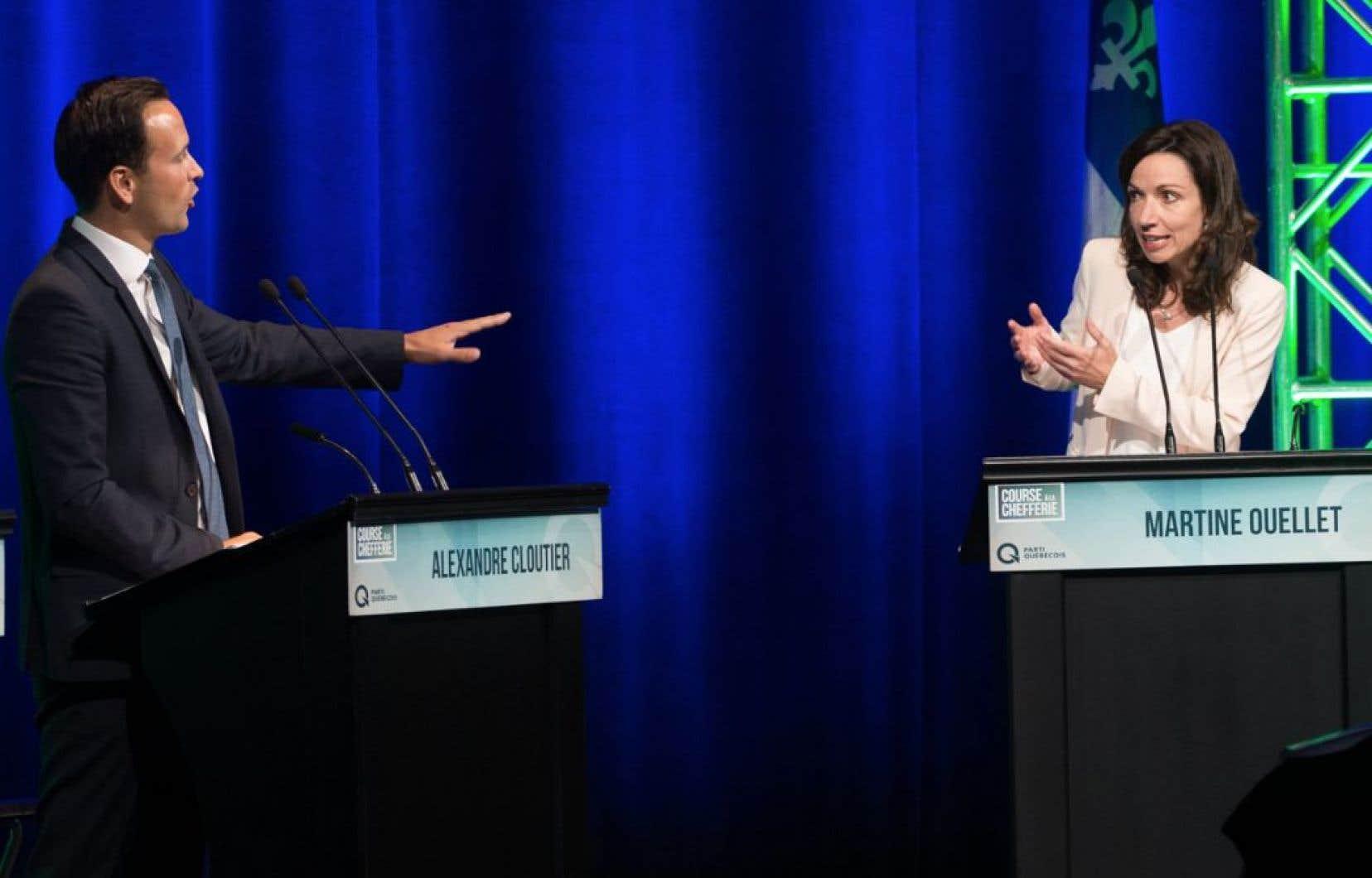 MmeOuellet se plaint de voir M.Cloutier et M.Lisée de chercher à la mettre à l'écart afin de la défavoriser d'ici l'élection du chef du PQ, le 7octobre prochain.