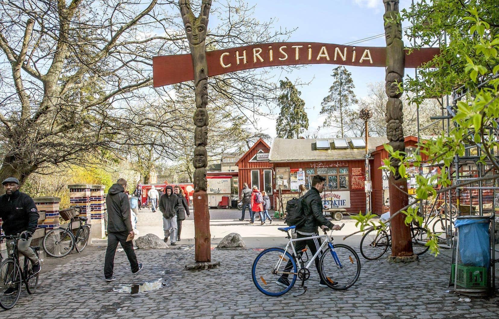 Au fil des ans, la police est intervenue à plusieurs reprises dans la communauté de Fristaden Christiania pour détruire les petits kiosques de vente de drogues douces. Mais cette année, cependant, ce sont les habitants des lieux qui ont décidé de mettre un terme aux activités des trafiquants devenus des criminels de haut niveau.