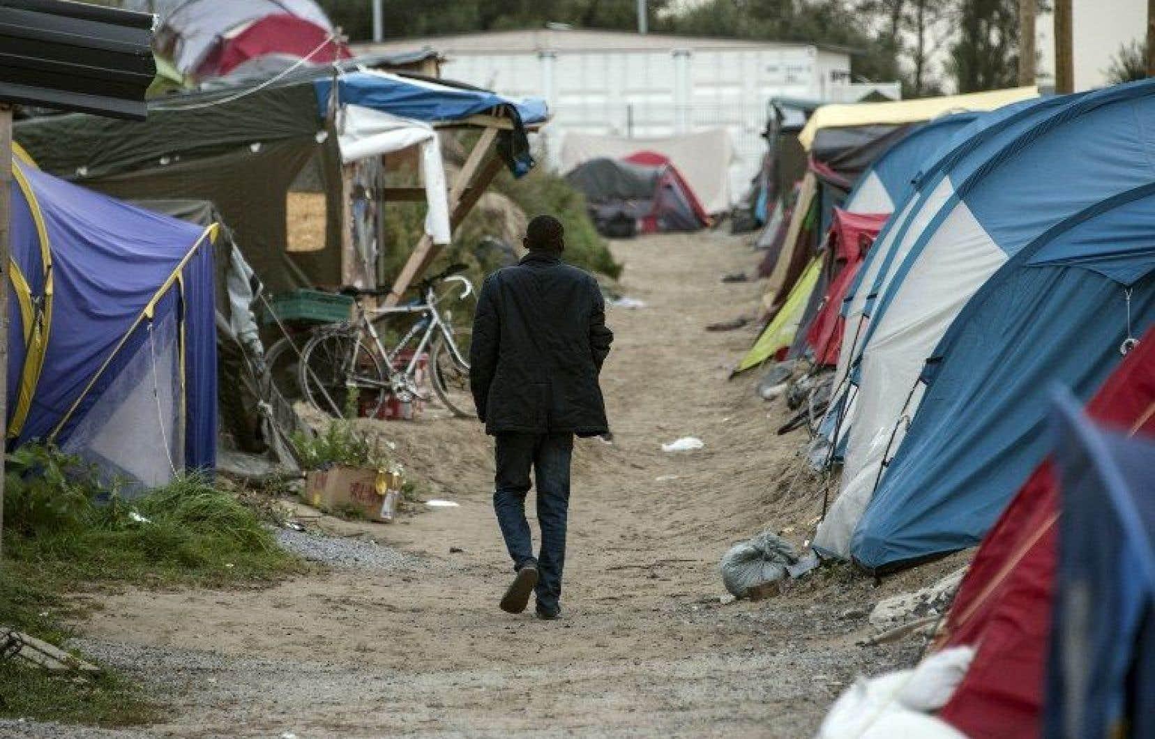 Une partie du camp a été démantelée en mars mais les migrants continuent d'affluer massivement.