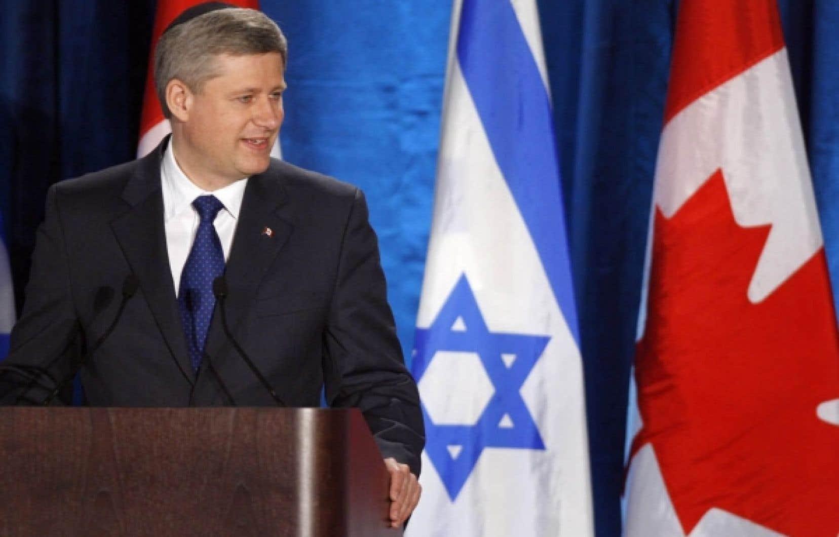Le premier ministre Stephen Harper a reçu en mai dernier le prix Saul-Hayes des droits de la personne du Congrès juif canadien.