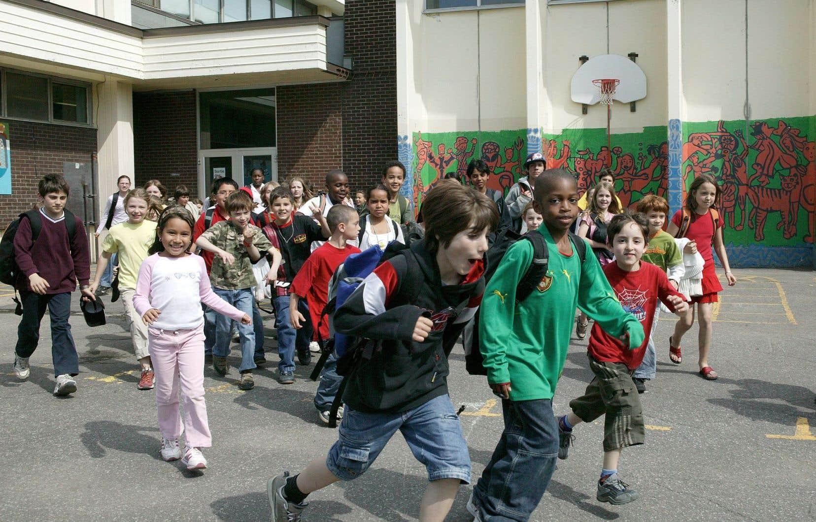«Comment pourrons-nous nous assurer que nos enfants, au Québec, auront droit à des services équivalents et suffisants quelle que soit l'école dans laquelle ils se trouvent?» demande Johanne Pomerleau.