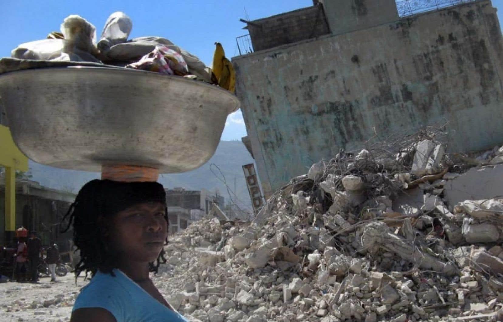 Une femme à Port-au-Prince il y a quelques jours
