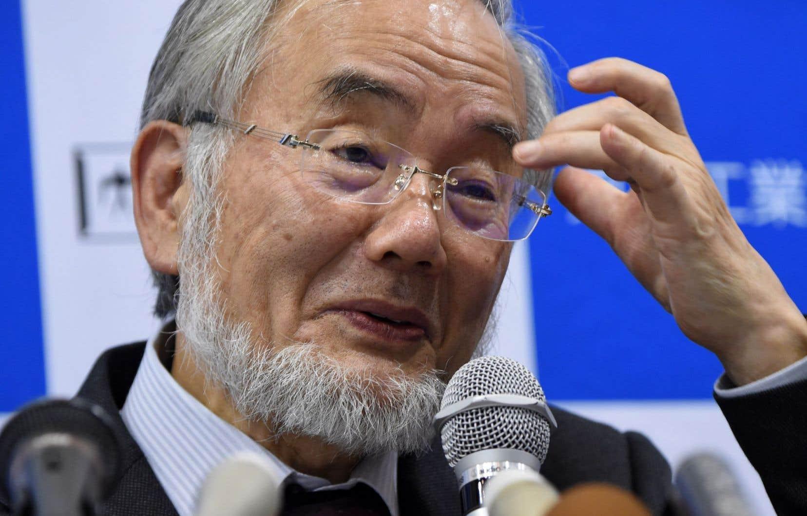 Yoshinori Ohsumi, 71 ans, a fait l'essentiel de sa carrière de biologiste à l'Université de Tokyo.