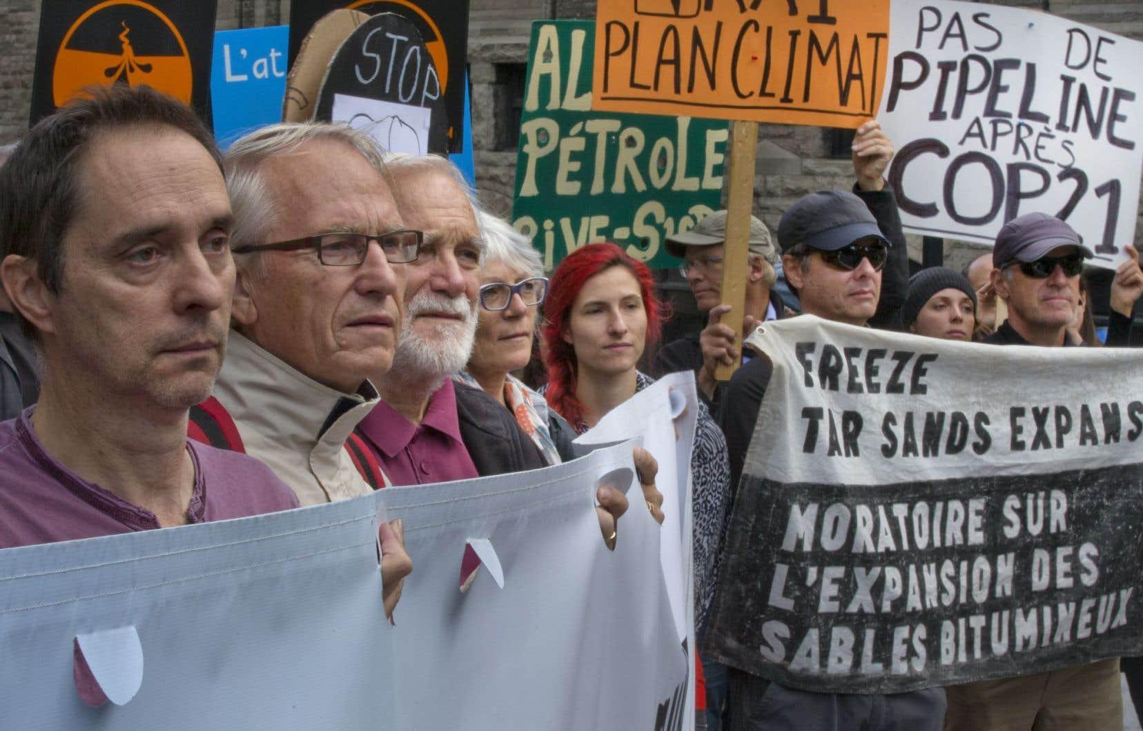 Des opposants à l'exploitation des énergies fossiles ont manifesté durant les négociations.