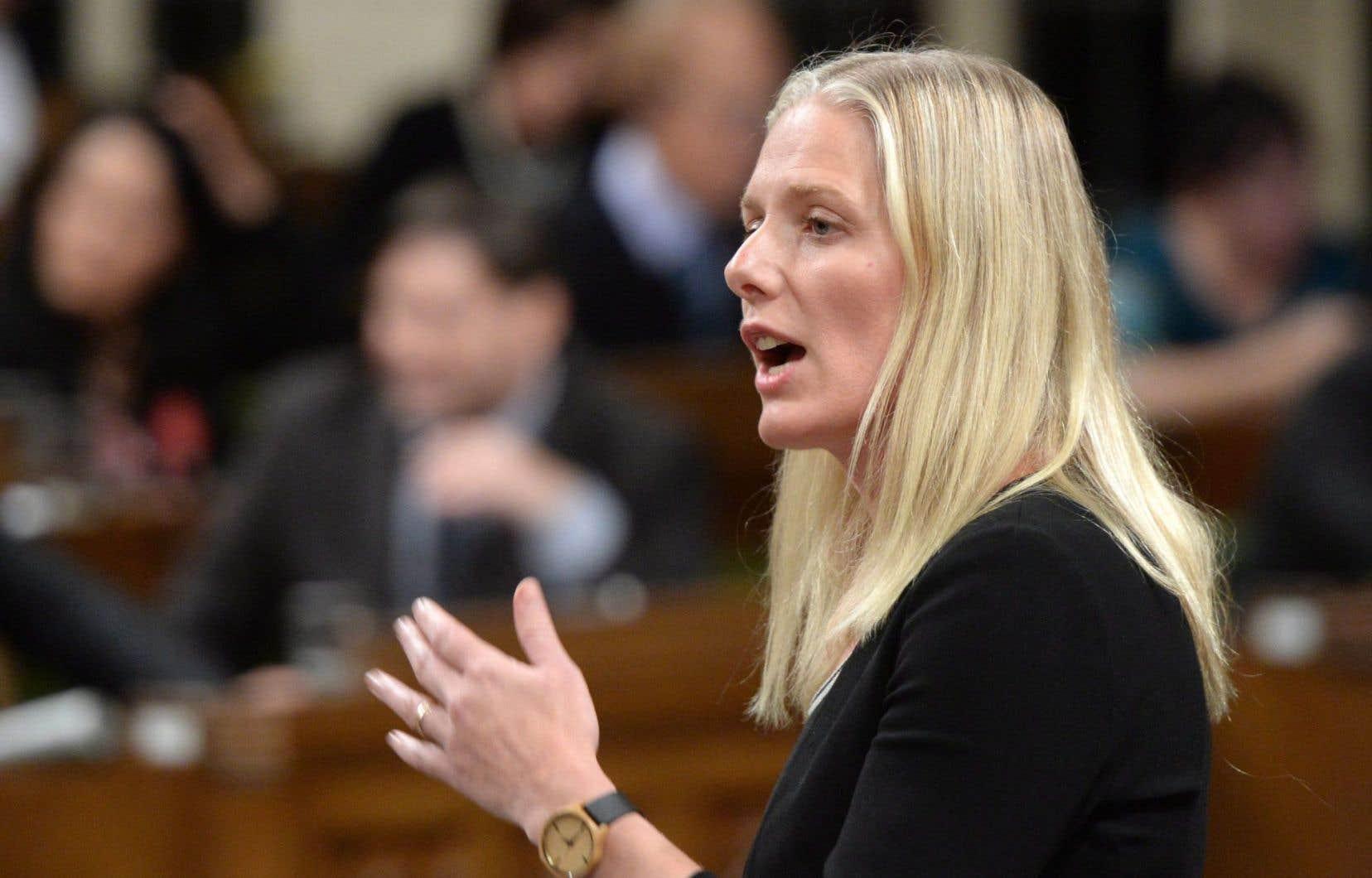 La ministre de l'Environnement Catherine McKenna a jugé mercredi que cette ratification représentait une étape majeure, après 10ans d'<em>«inaction»</em>.