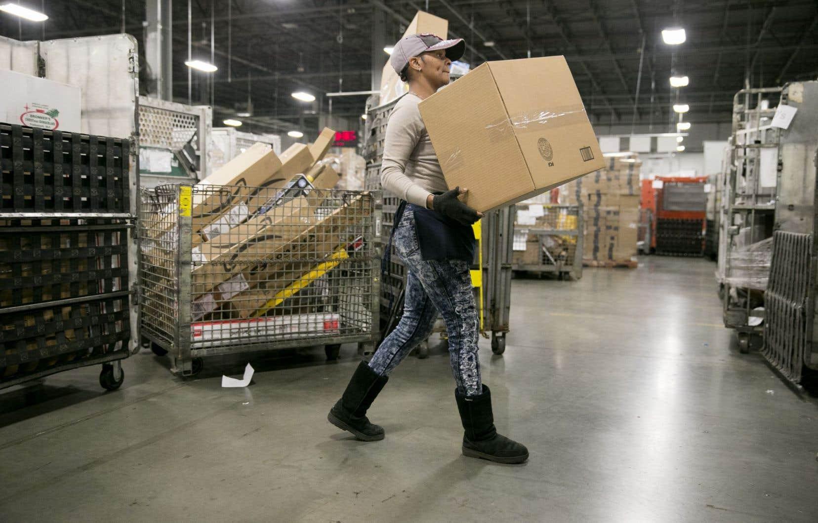 Des commerçants hors Québec ou étrangers jouissent d'un avantage concurrentiel injuste par rapport aux détaillants québécois, car ils ne perçoivent pas la taxe de vente.