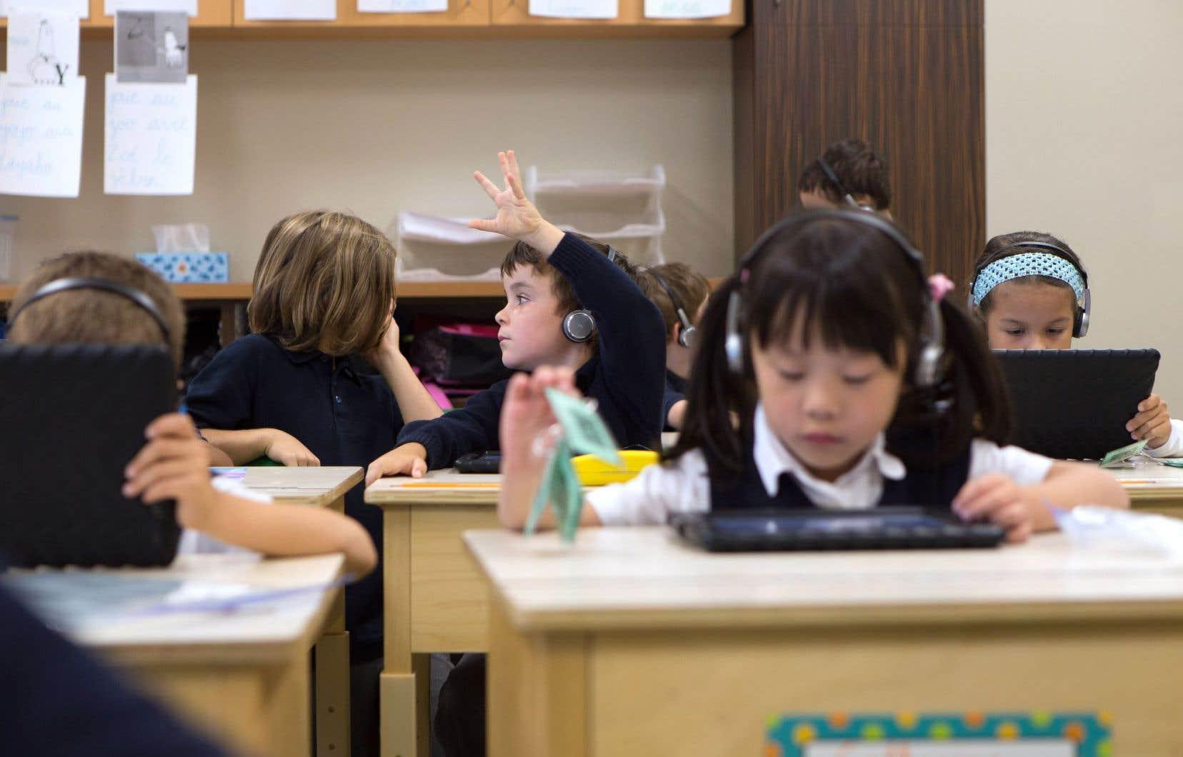 Au-delà des résultats scolaires, le dossier de l'élève envisagé par le ministre de l'Éducation pourrait documenter des troubles d'apprentissage, des défis de motricité et des défis langagiers.