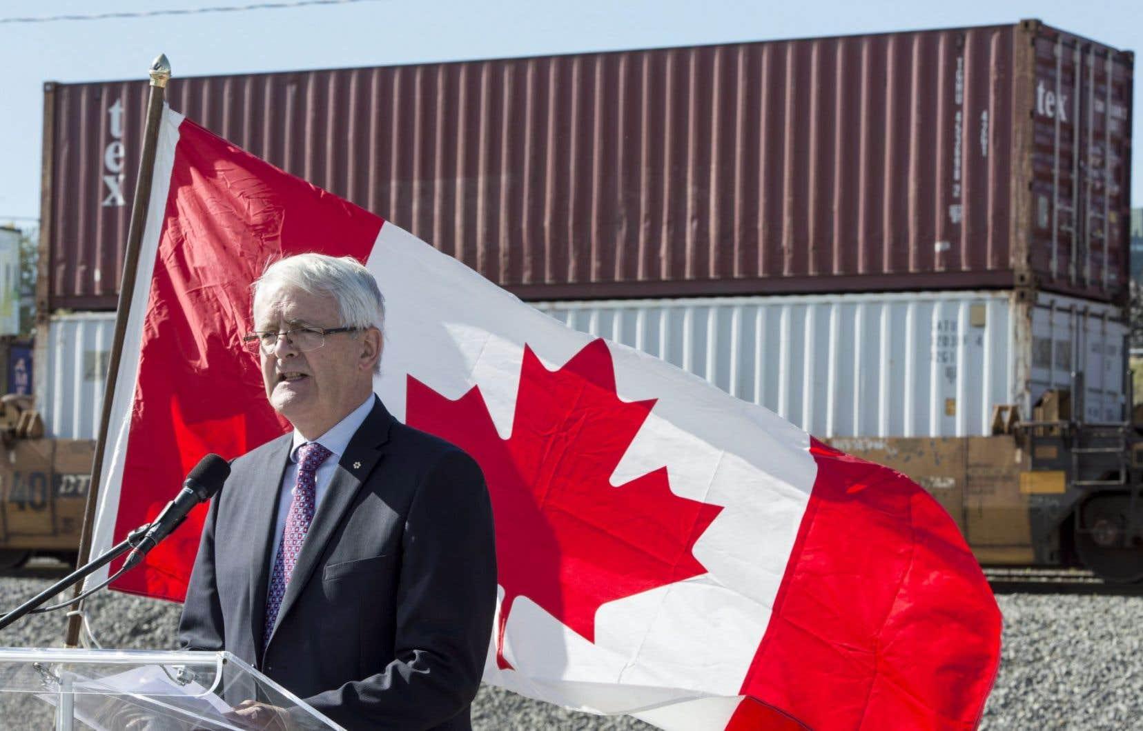 Le ministre fédéral des Transports, Marc Garneau,a rappelé mercredi que de nouvelles «règles» ont été mises en place depuis la tragédie de Lac-Mégantic.