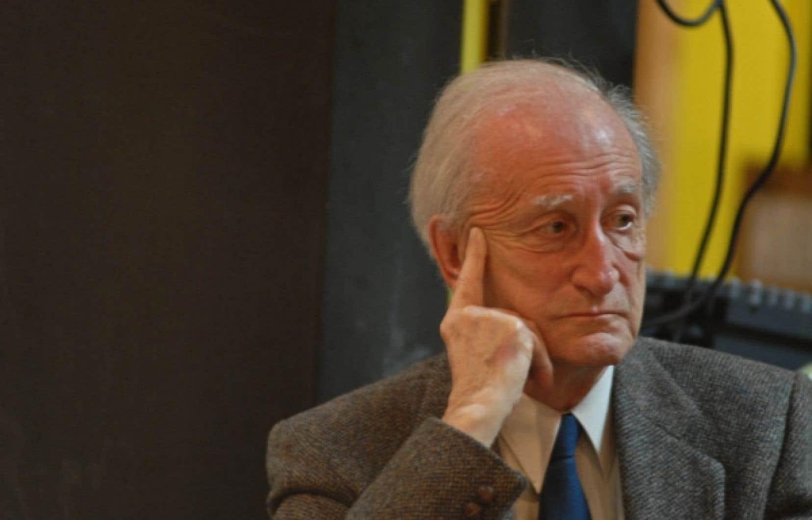 Pierre Vadeboncœur s'est vu décerner nombre de distinctions parmi les plus importantes au Québec, au nombre desquelles figure le prix Athanase-David.