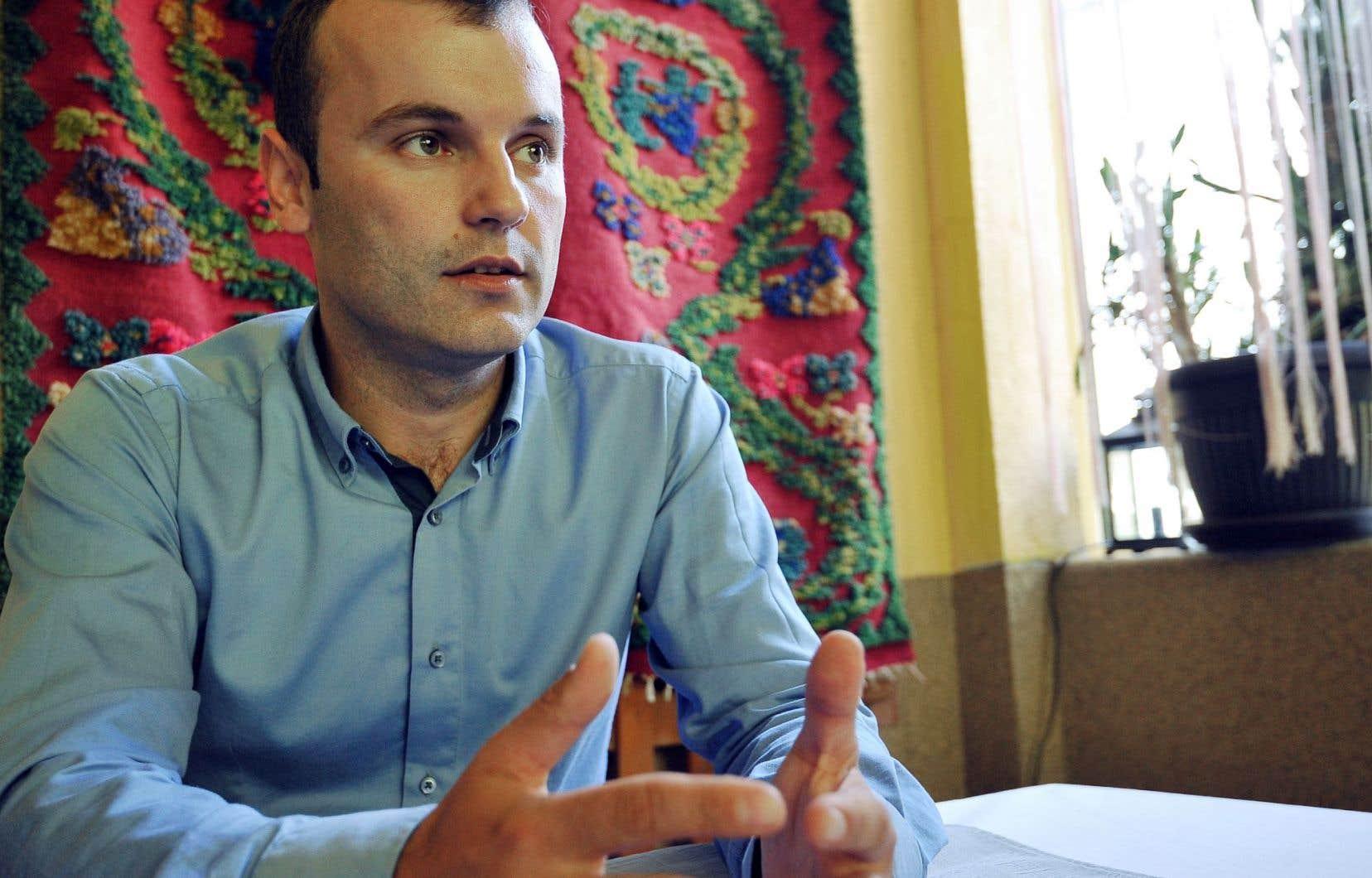 Selon les résultats officiels, Mladen Grujicic a remporté 54,4% des suffrages le 2octobre, contre 45,5% au sortant bosniaque Camil Durakovic, soit un écart de 768 voix.