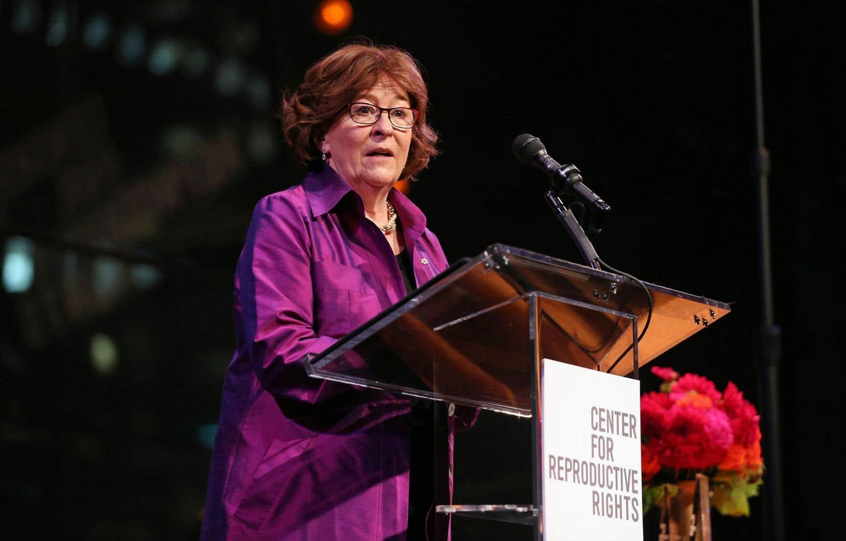 Louise Arbour livrant un discours lors du gala du Center for Reproductive Rights, au centre Lincoln, à New York en octobre 2014