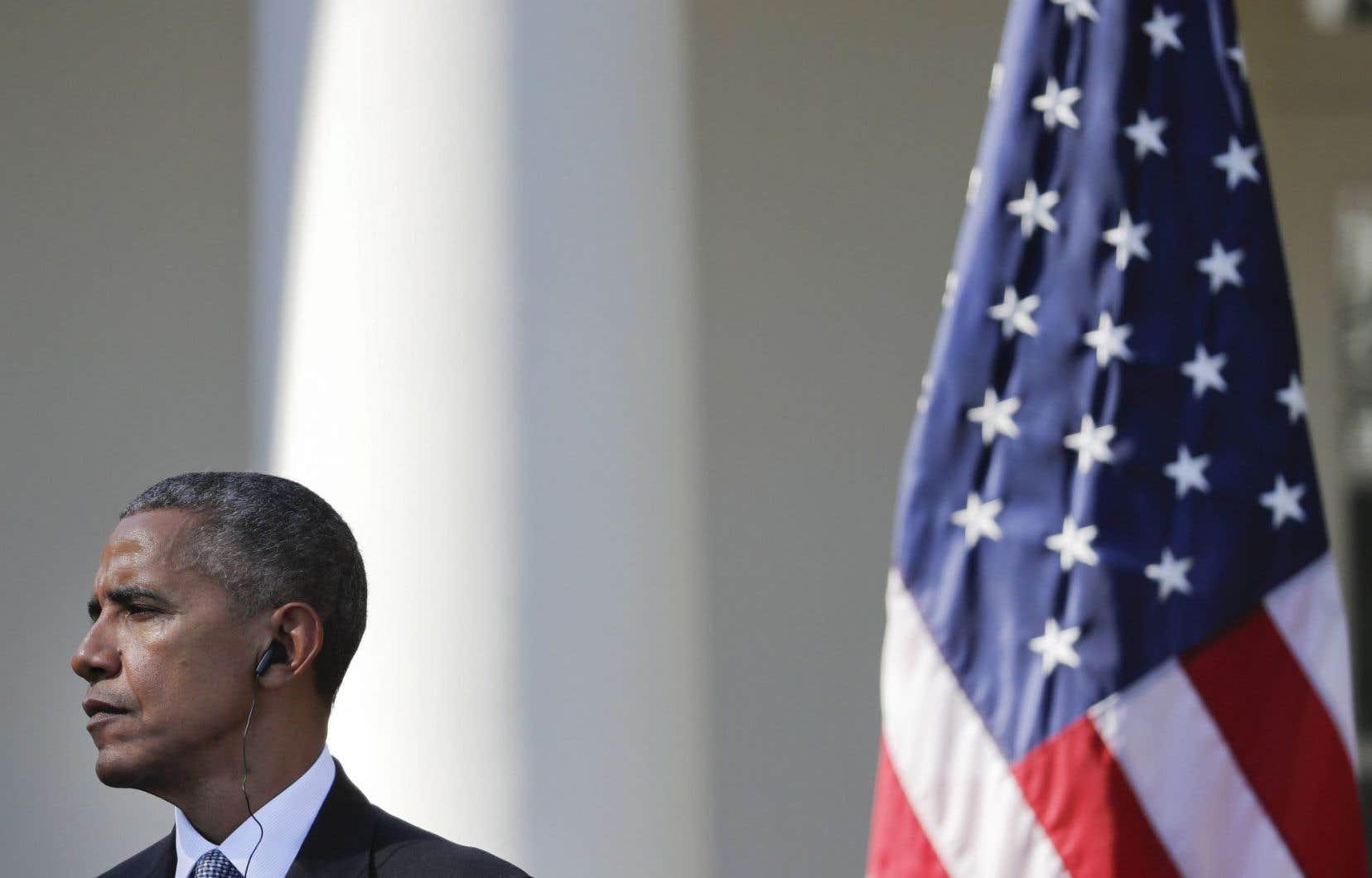 <em>«Je conseillerais à M. Trump d'arrêter de pleurnicher et d'essayer de défendre ses opinions pour obtenir des suffrages»</em>, a affirmé mardi Barack Obama.