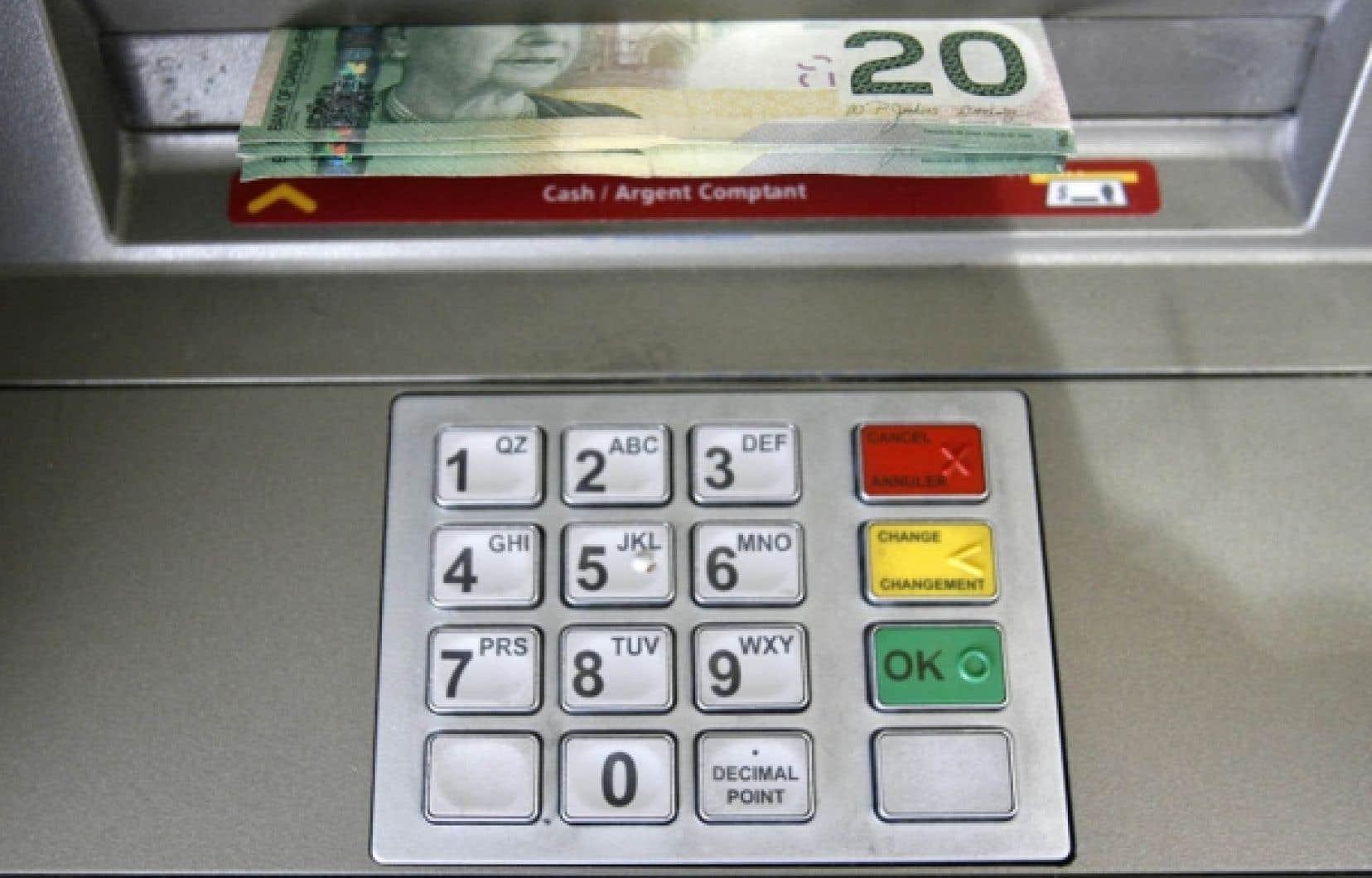Près de 60 % des transactions effectuées au Canada le sont avec une carte de débit.