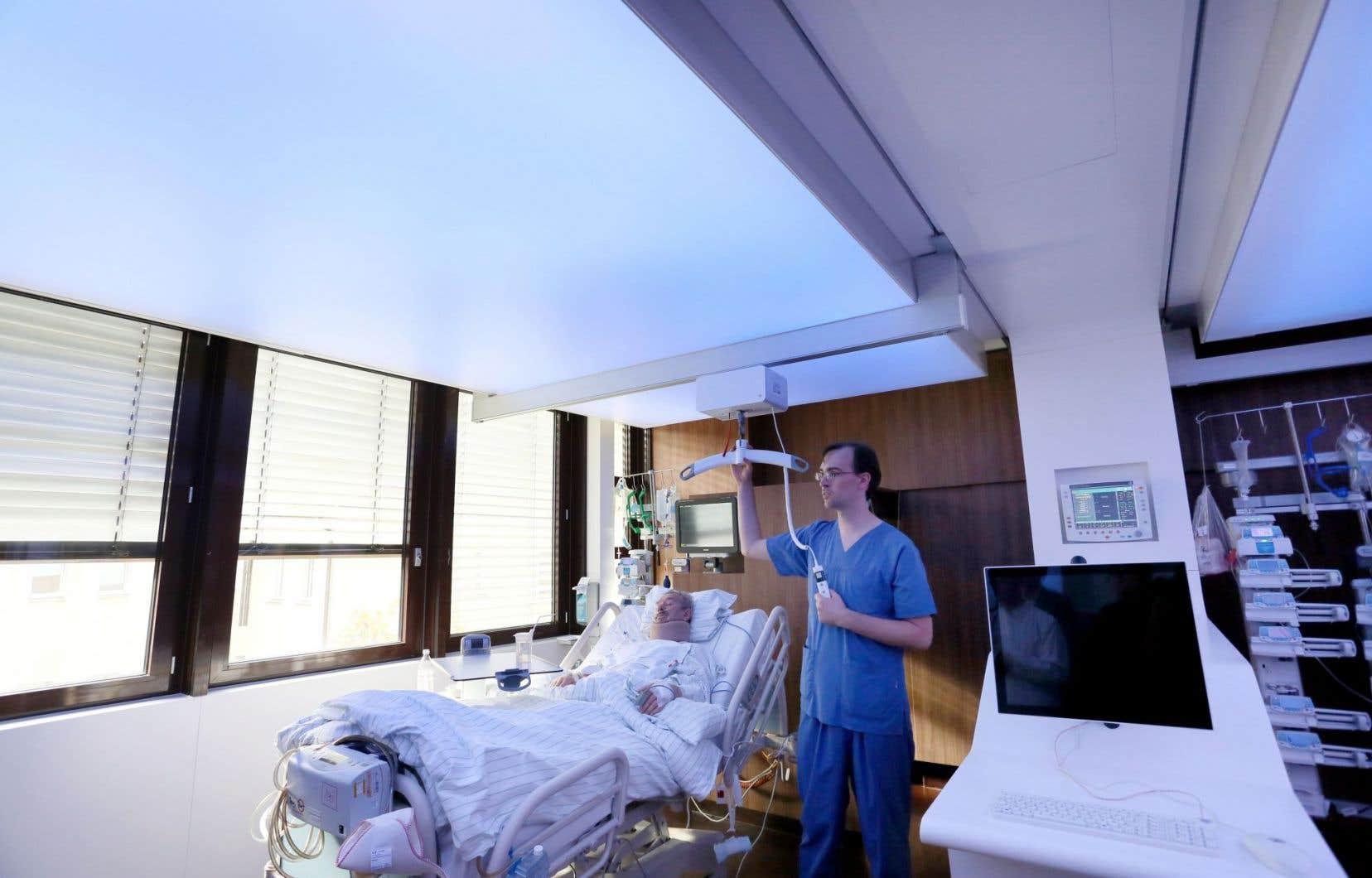 Une salle des soins intensifs de l'hôpital universitaire de la Charité, à Berlin