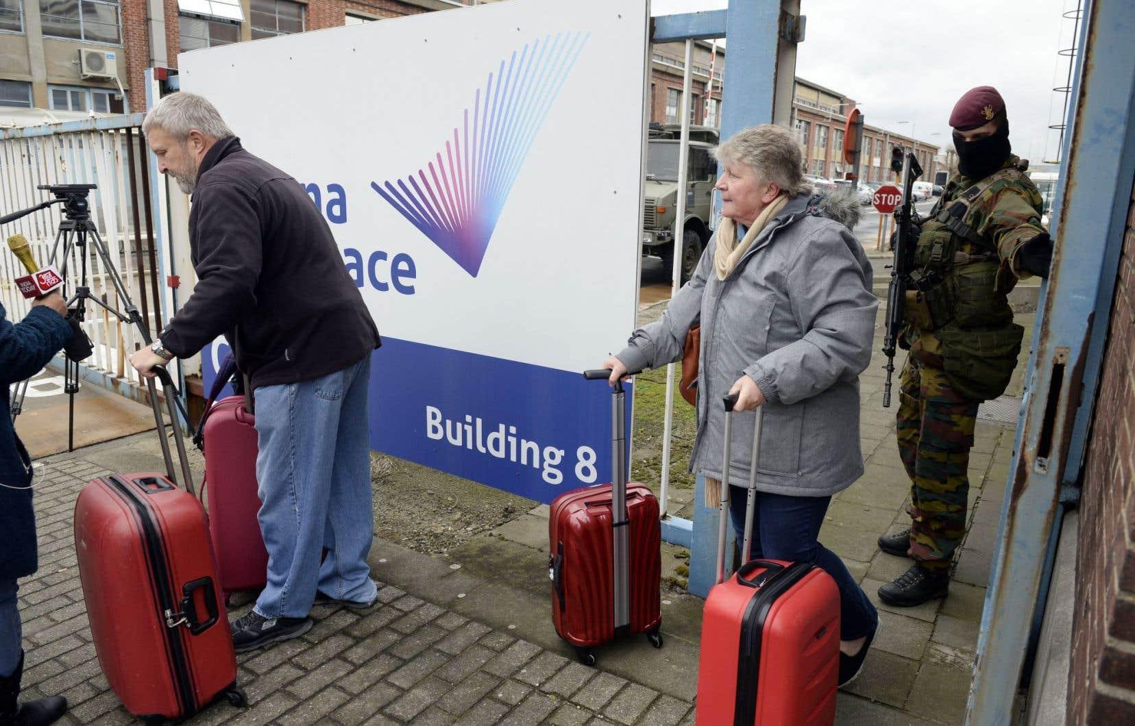 Des rescapés de l'attaque terroriste à l'aéroport Zaventem et dans un wagon du métro de Bruxelles le 22 mars 2016, ayant fait 35 morts et plus de 200 blessés