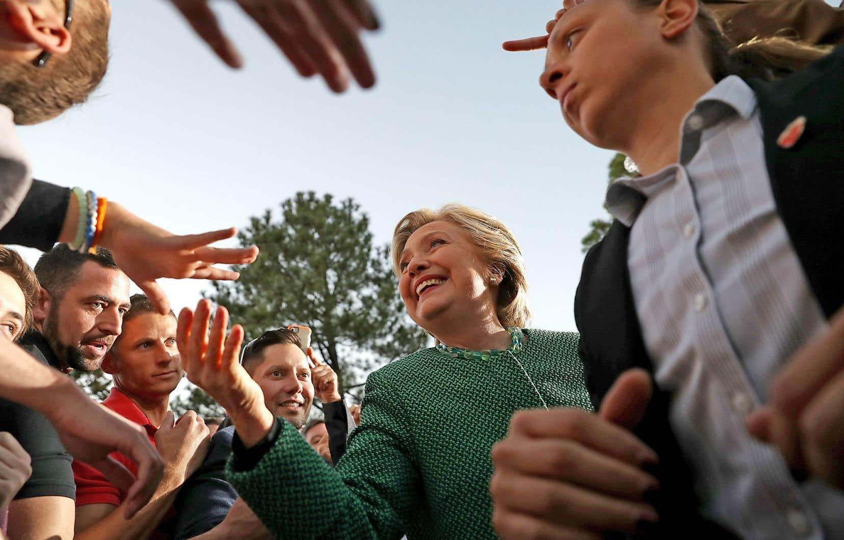 En campagne dans la ville de Charlotte, Hillary Clinton a demandé aux électeurs «de voter sur les valeurs que nous voulons transmettre à nos enfants».