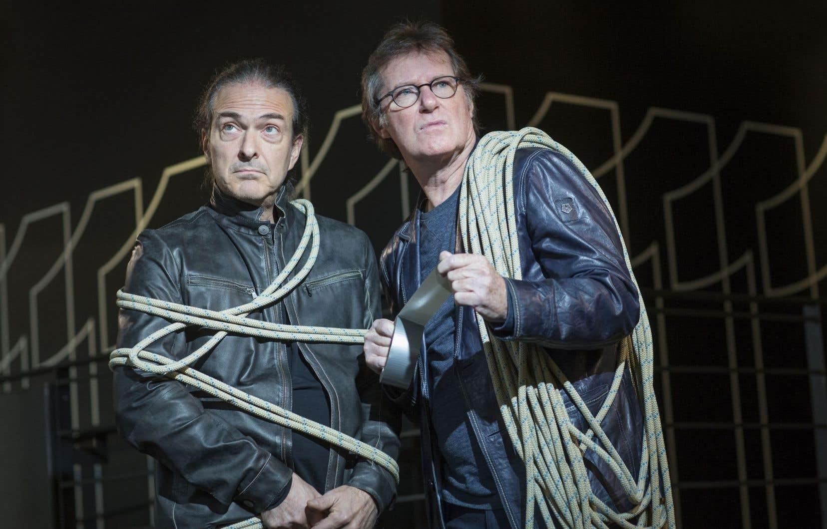 Réunis pour un film singulier et complexe, le réalisateur Richard Angers et Marc Messier se sont faits plus légers pour la photo.