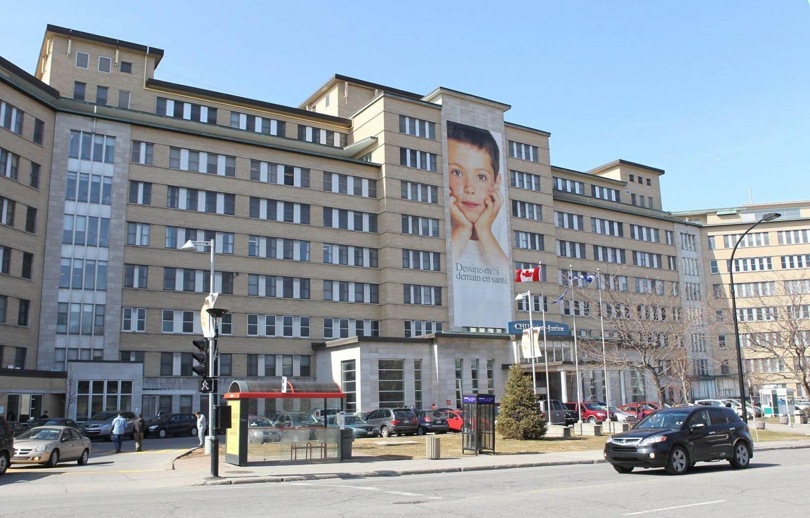 Ainsi, en douceur, sans débat ou discussion, l'hôpital Sainte-Justine fut «regroupé» avec le Centre hospitalier de l'Université de Montréal (CHUM).