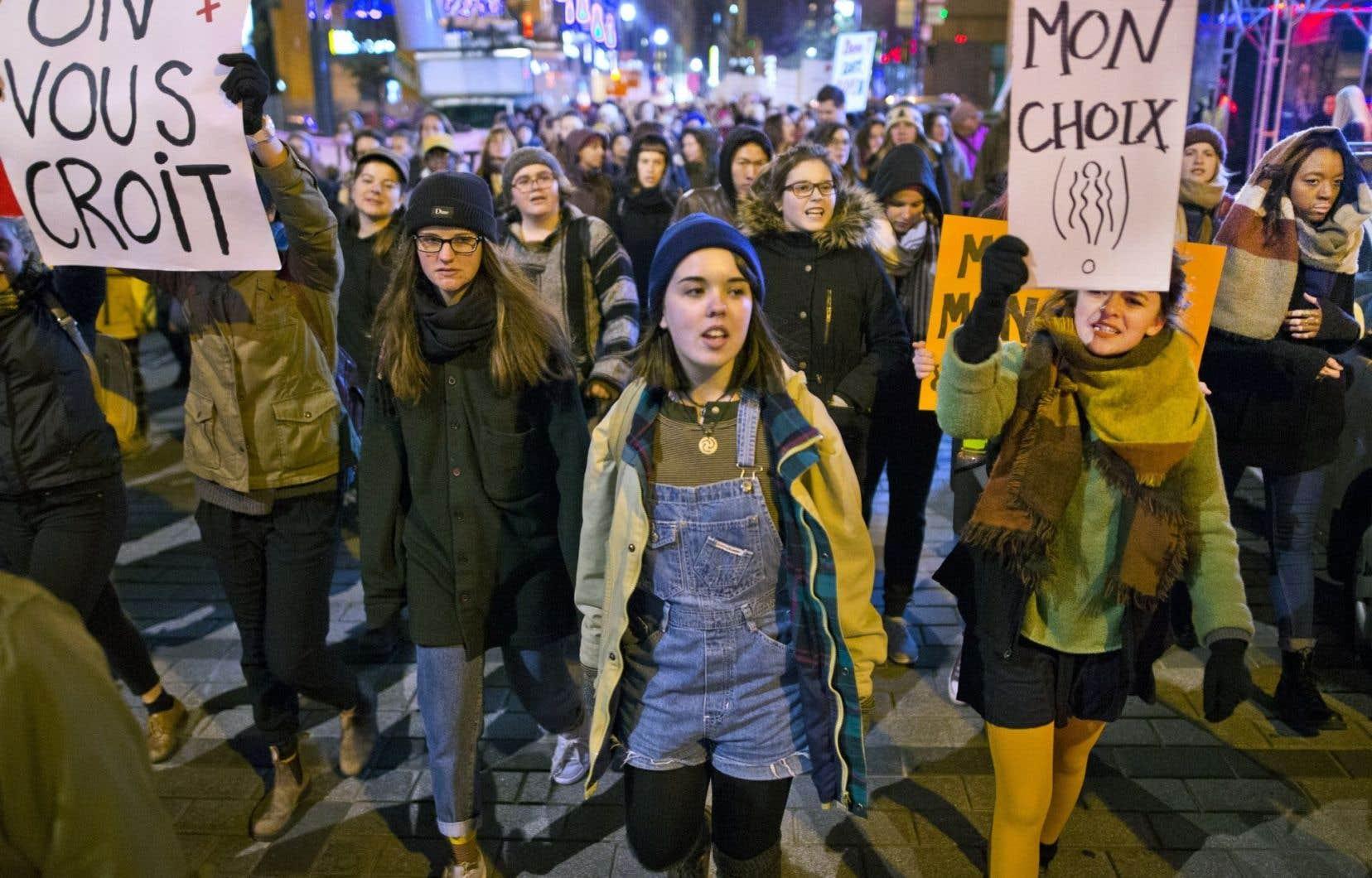 Des milliers de manifestants ont dénoncé la culture du viol mercredi, un peu partout au Québec. Une marche s'est tenue à Montréal (notre photo).