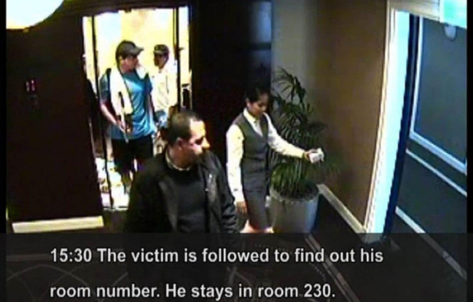 Mahmoud al-Mabhouh était suivi par ses assassins présumés dans une vidéo rendue publique par la police de Dubaï.