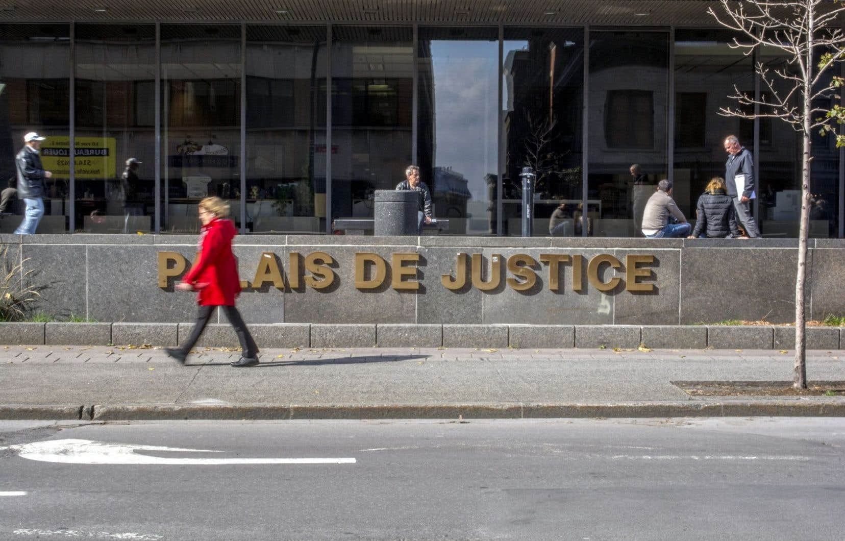 Les auteurs du rapport du Jeune Barreau de Montréal sur le système d'aide juridique québécois ont interrogé plus d'une centaine d'avocats privés qui acceptent des mandats de l'aide juridique.