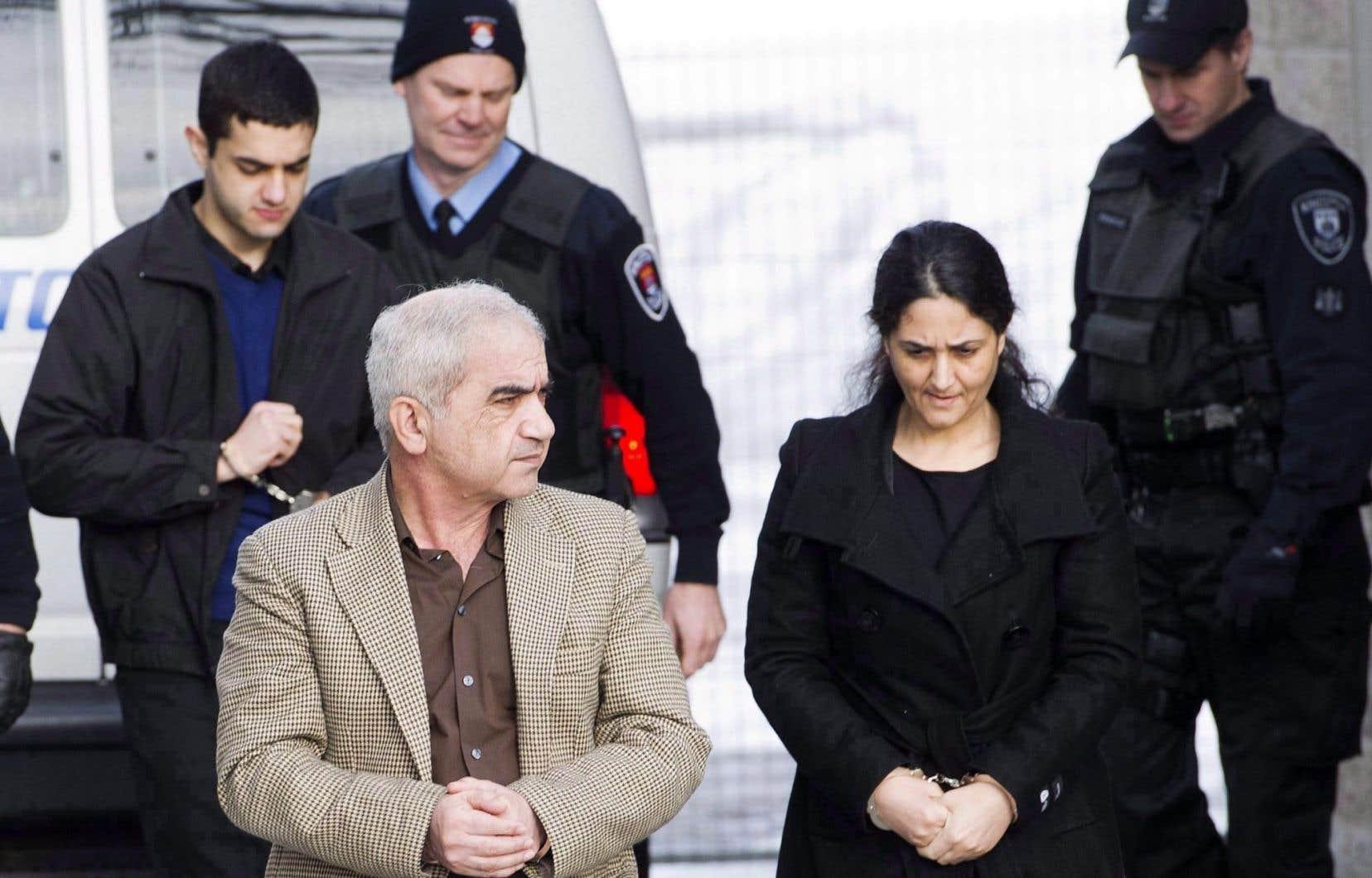 Pas de nouveau proc s pour la famille shafia le devoir - Peut on porter plainte contre un membre de sa famille ...