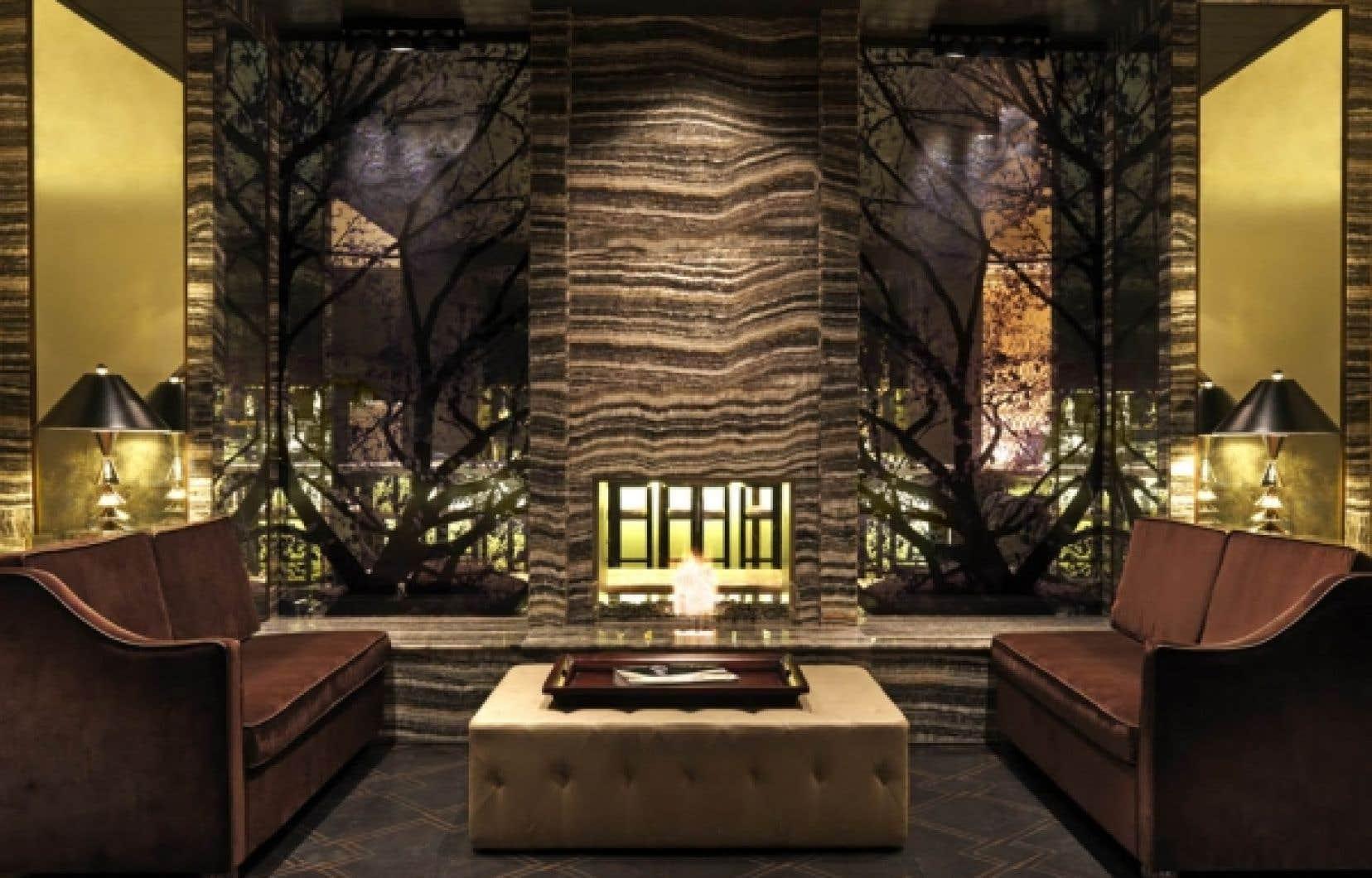 Le très luxueux Loden s'affirme d'entrée de jeu avec un hall décoré par des jeux de miroirs ombragés et un faux foyer de marbre. Une ambiance très masculine qui caractérise l'établissement jusque dans les fragrances des savonnettes.