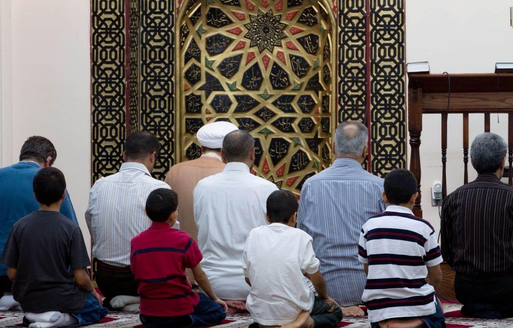 La mosquée est très présente dans la vie des musulmans, même ceux qui sont peu pratiquants.