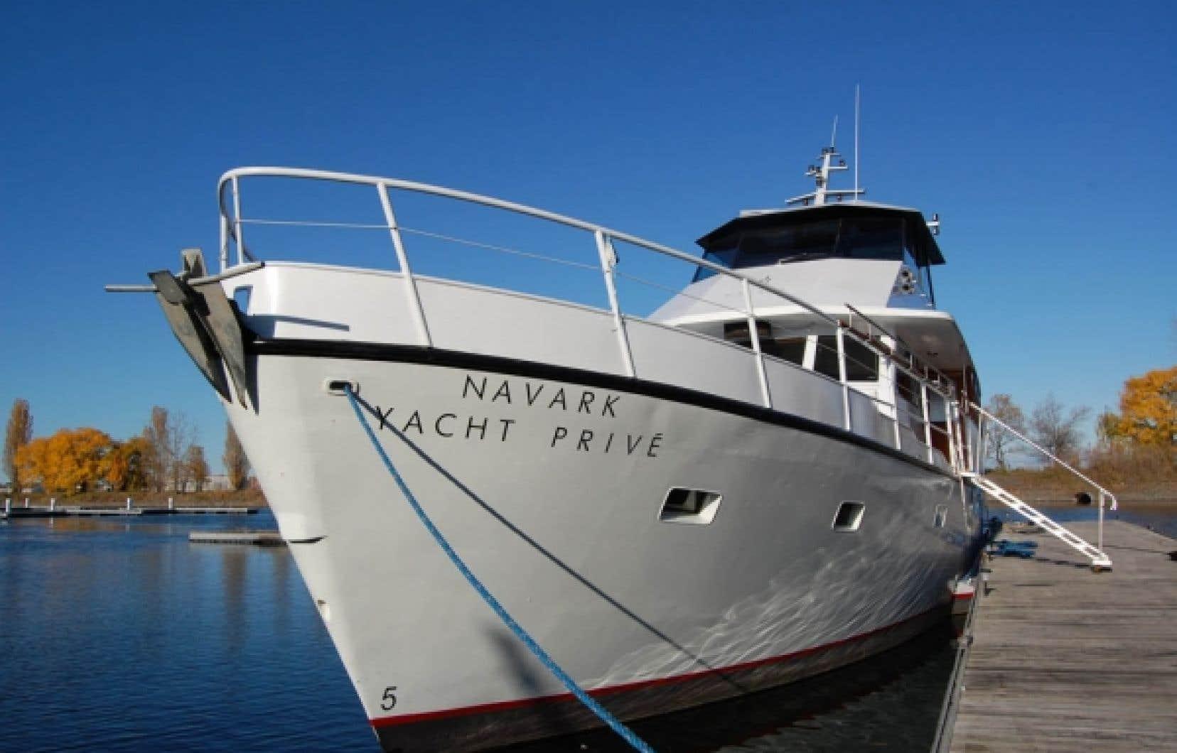 Navark propose des croisières sur mesure et la possibilité de profiter d'une île privée.