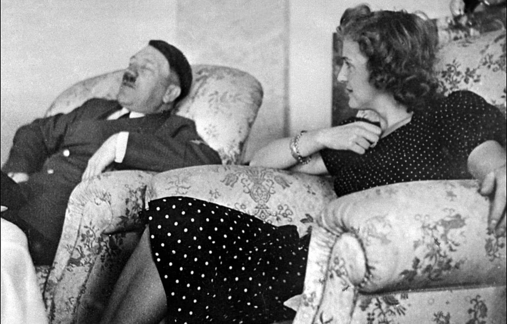 Complètement défoncé, en compagnie d'Eva Braun? Plus de 300 substances chimiques, dont une vingtaine de psychotropes, ont colonisé le corps d'Adolf Hitler dans les sombres années du IIIeReich.