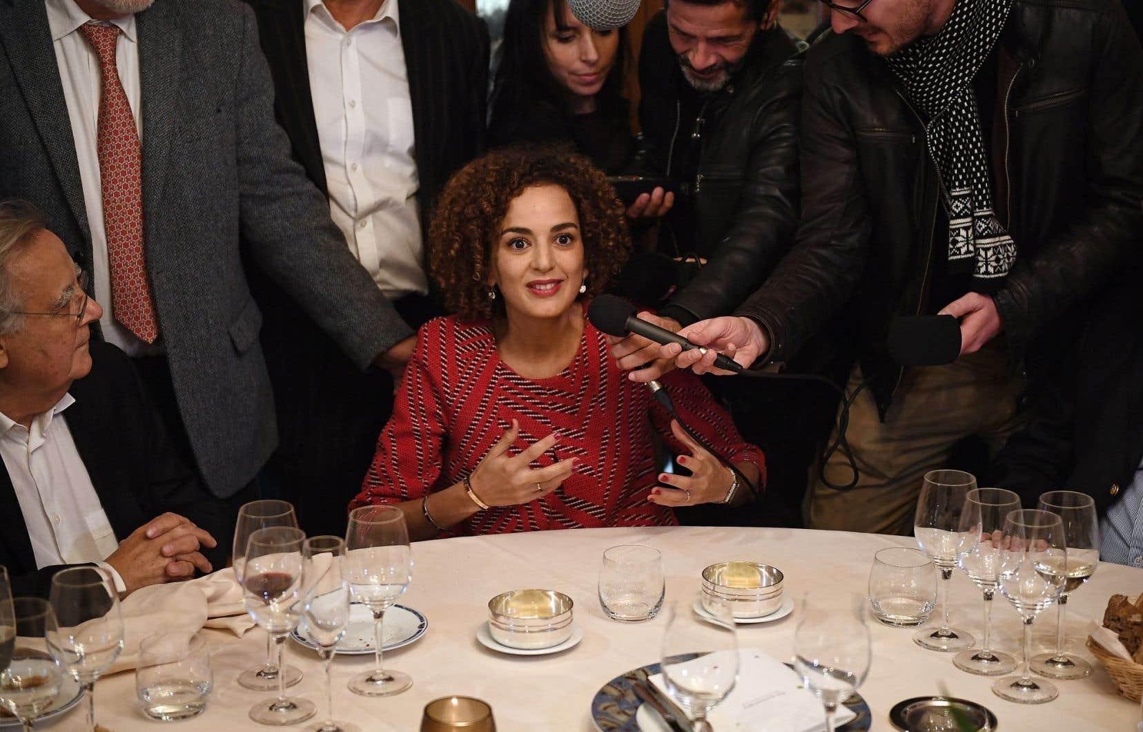 Leïla Slimani est formée en sciences politiques, en journalisme et en écriture.<br />