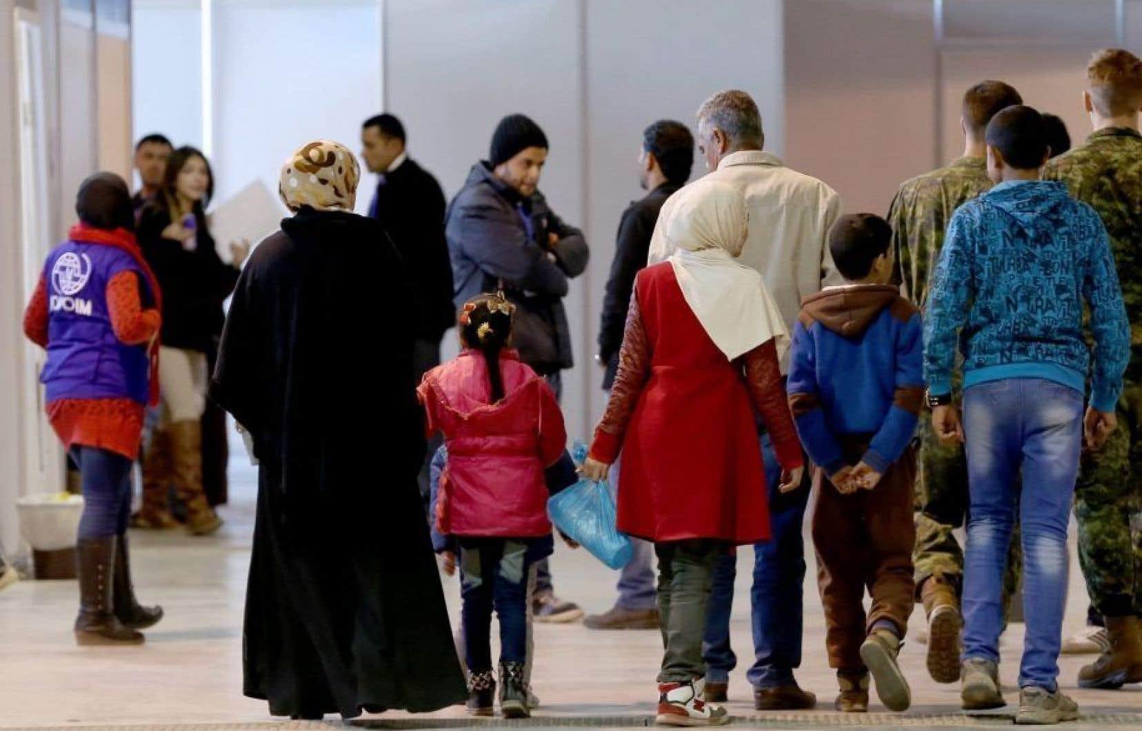 De nombreux réfugiés ont été parrainés par de simples citoyens qui, malgré leurs bonnes intentions, n'avaient pas les moyens de s'en occuper.