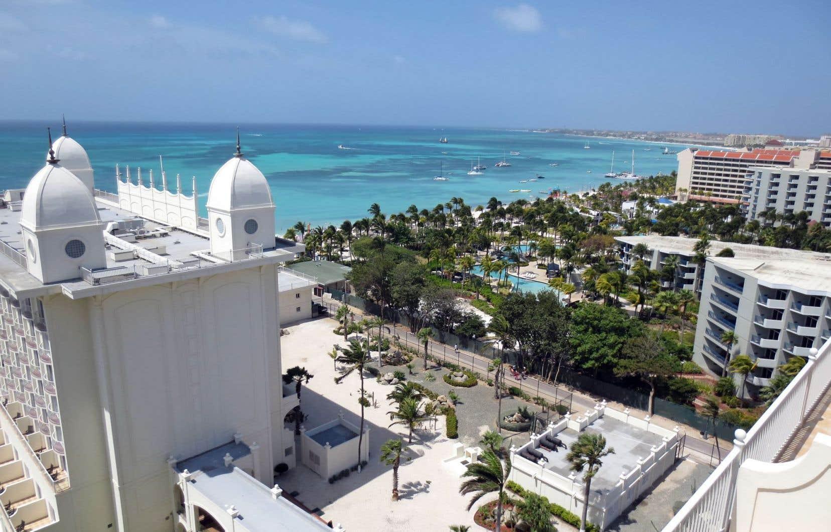 Palm Beach vue depuis les hauteurs du Riu Palace Aruba