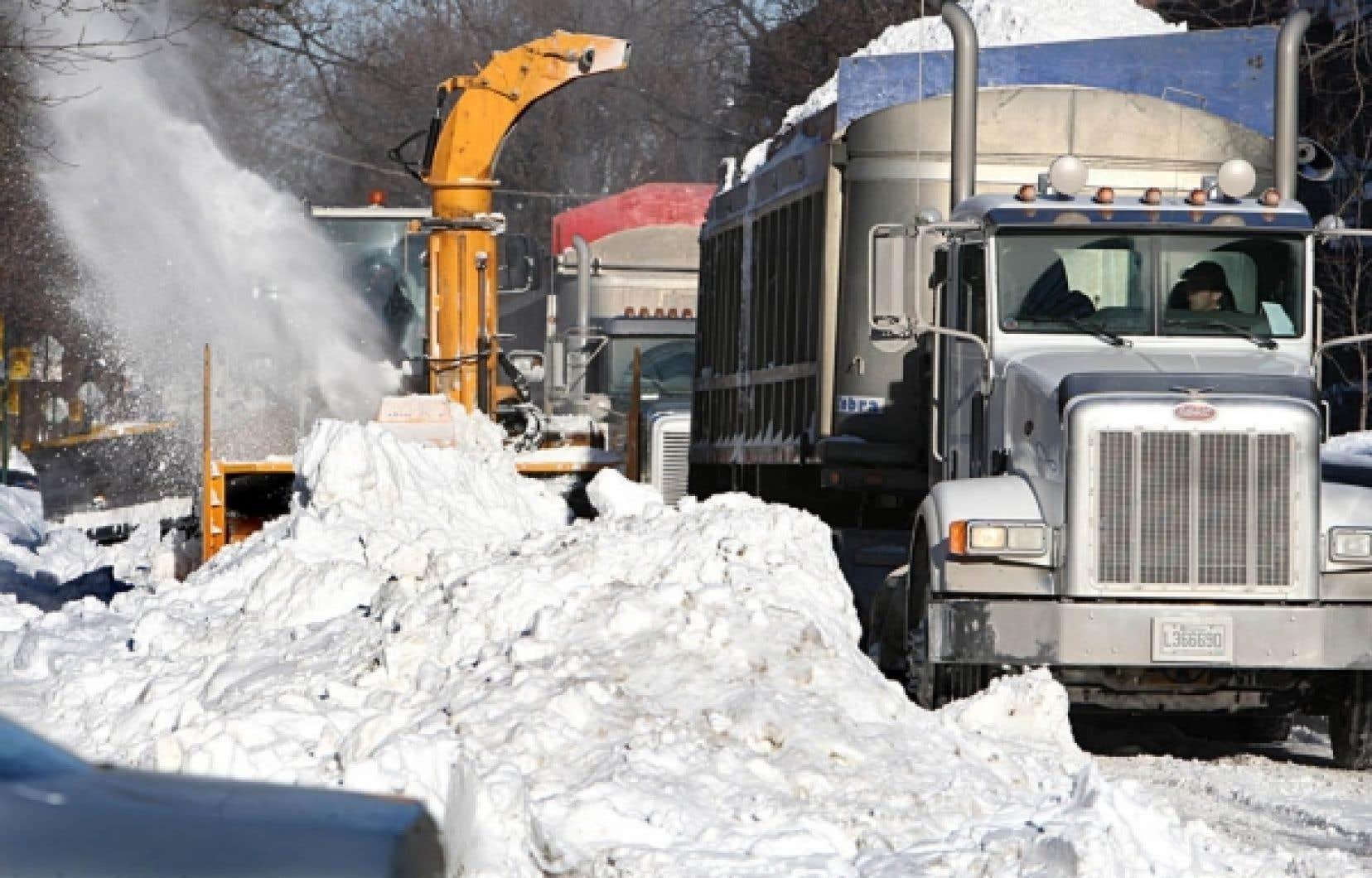 Quatre piétons ont perdu la vie l'hiver dernier à Montréal au cours d'opérations de déneigement.