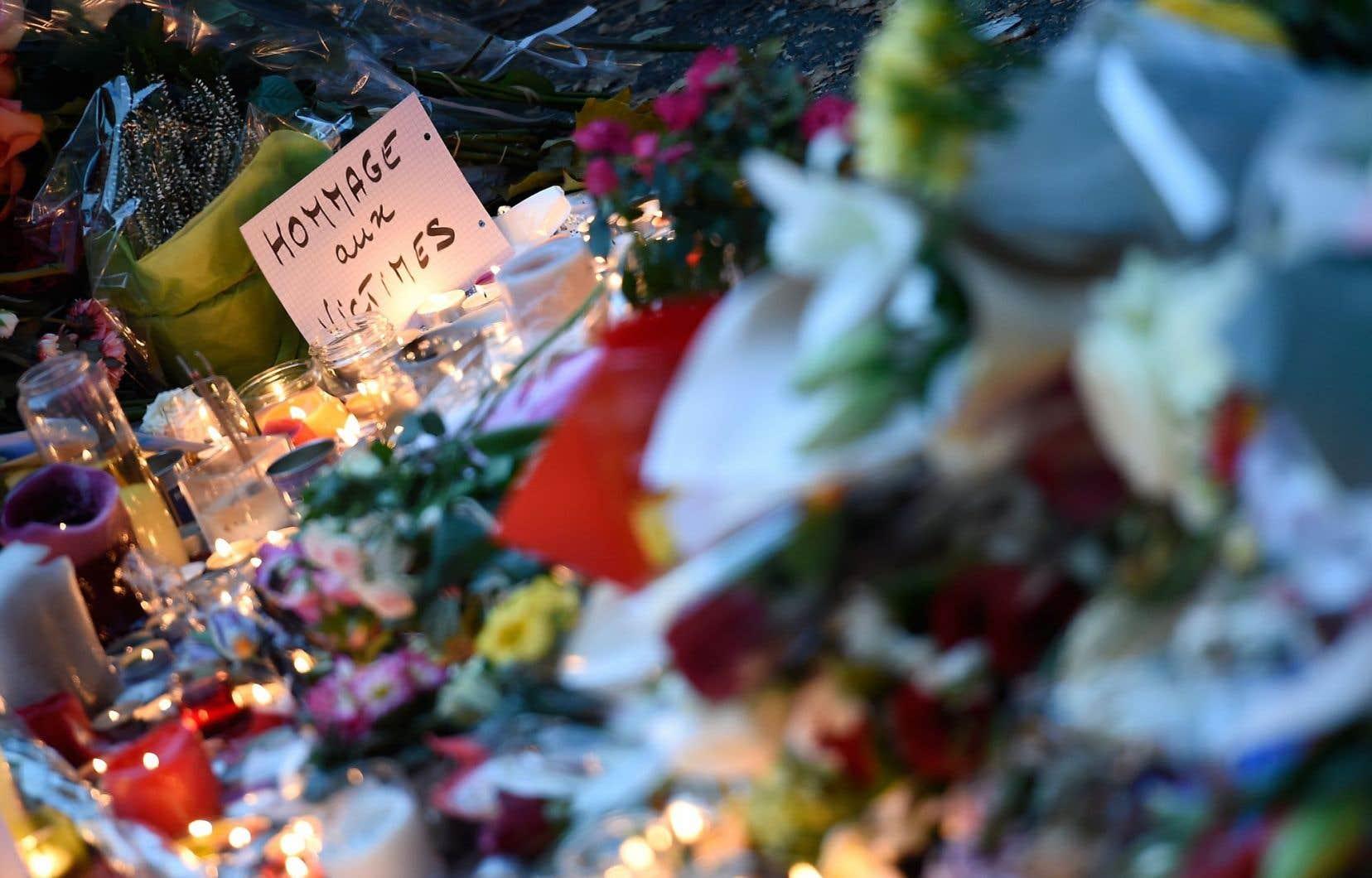On sent la douleur ressentie face aux attentats, mais aussi la force et la détermination d'aller au-delà de la terreur.