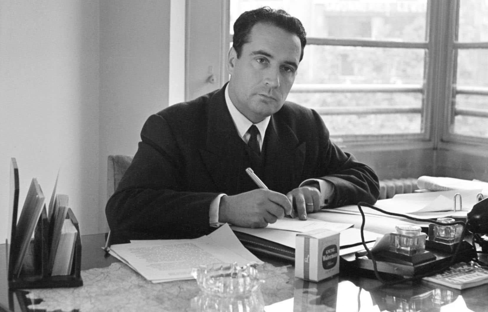 François Mitterrand était marié à Danielle, qui ne devait jamais être loin de lui lorsqu'il écrivait tous ces mots à Anne.
