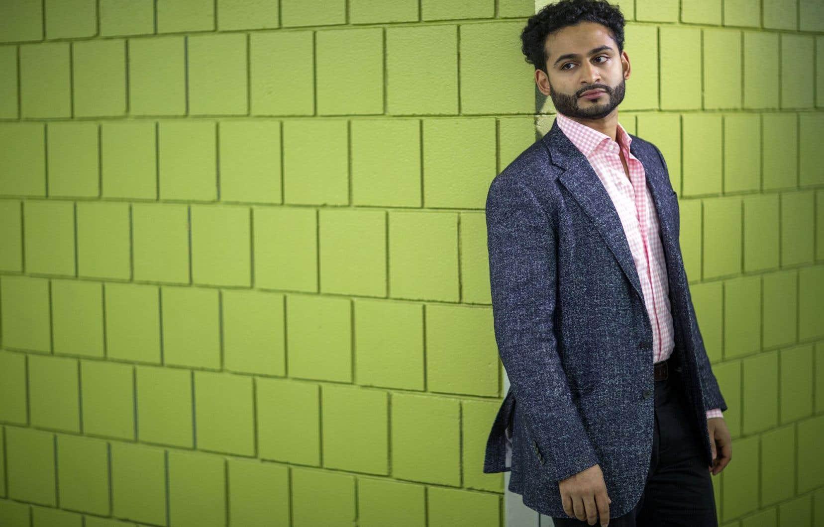 «Diriger 50 opéras dans la fosse, c'est la meilleure éducation possible; c'est ce dont j'ai besoin en ce moment», indique le chef Jordan de Souza.