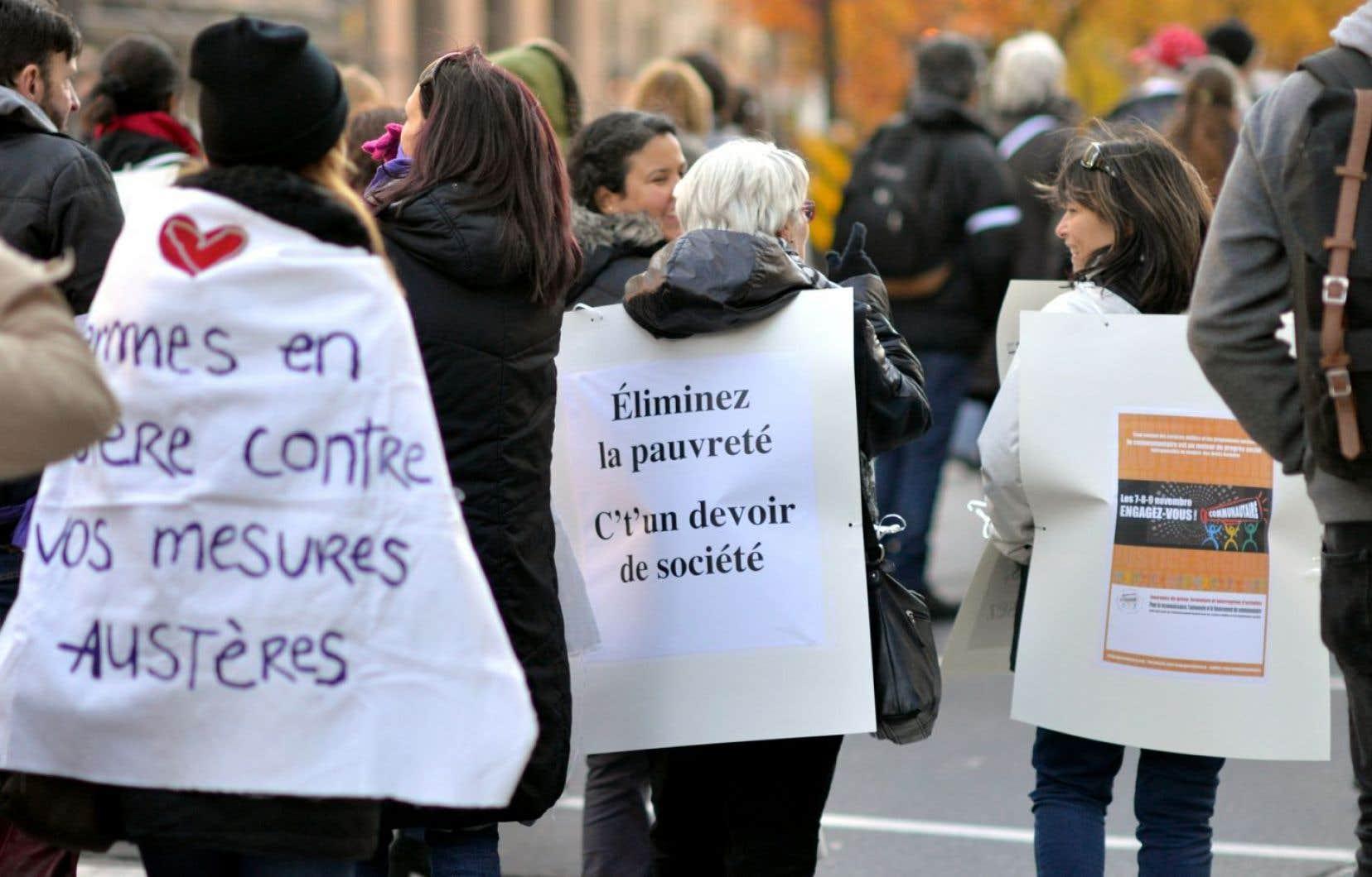 La réforme de l'aide sociale suscite l'ire d'organismes communautaires qui luttent contre la pauvreté. Une marche regroupant quelques-uns d'entre eux eu lieu à Montréal, le 9 novembre dernier.