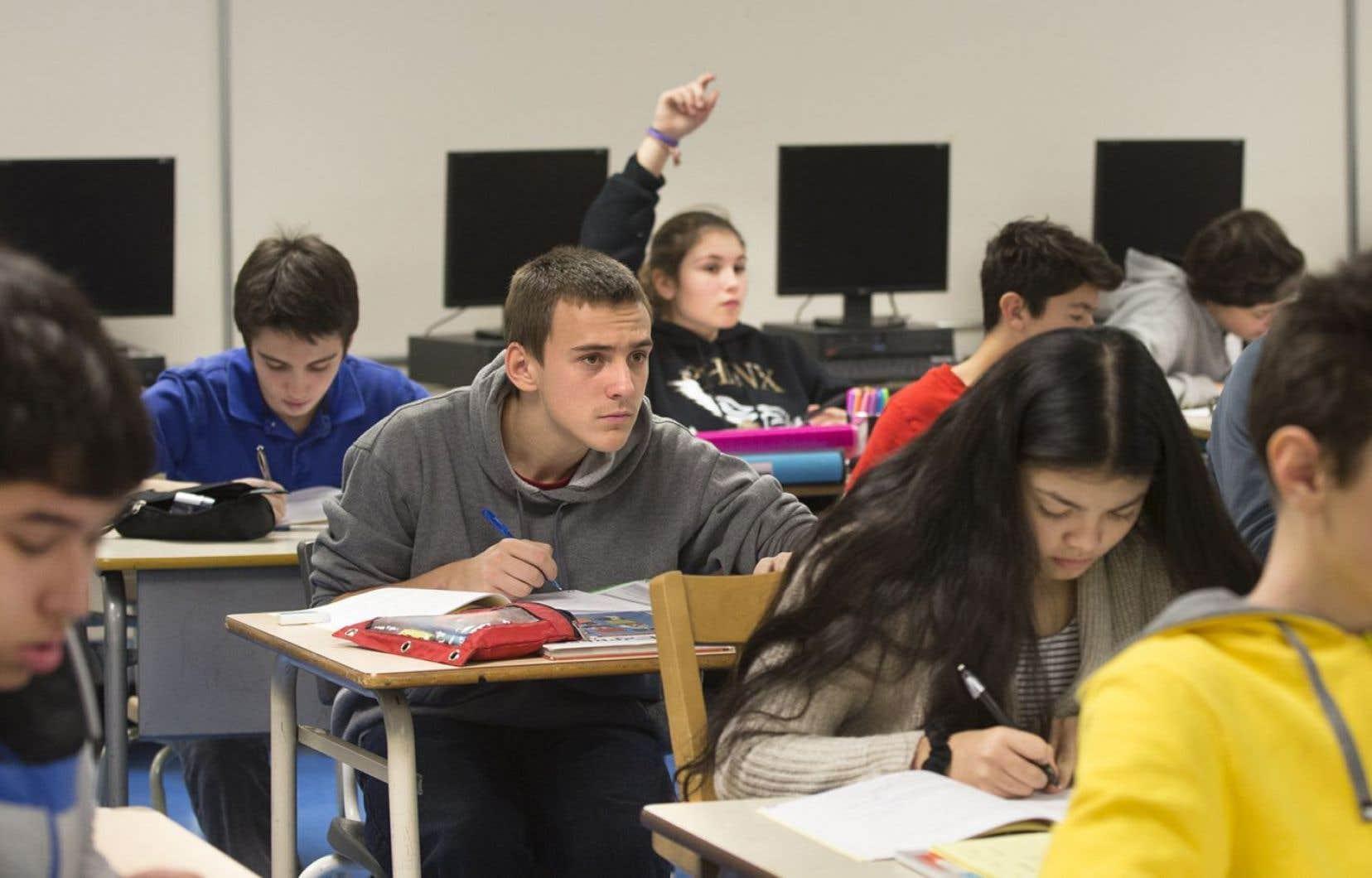 Malgré les avancées des dernières années, trop de jeunes Québécois peinent à obtenir un diplôme secondaire dans les temps prescrits.