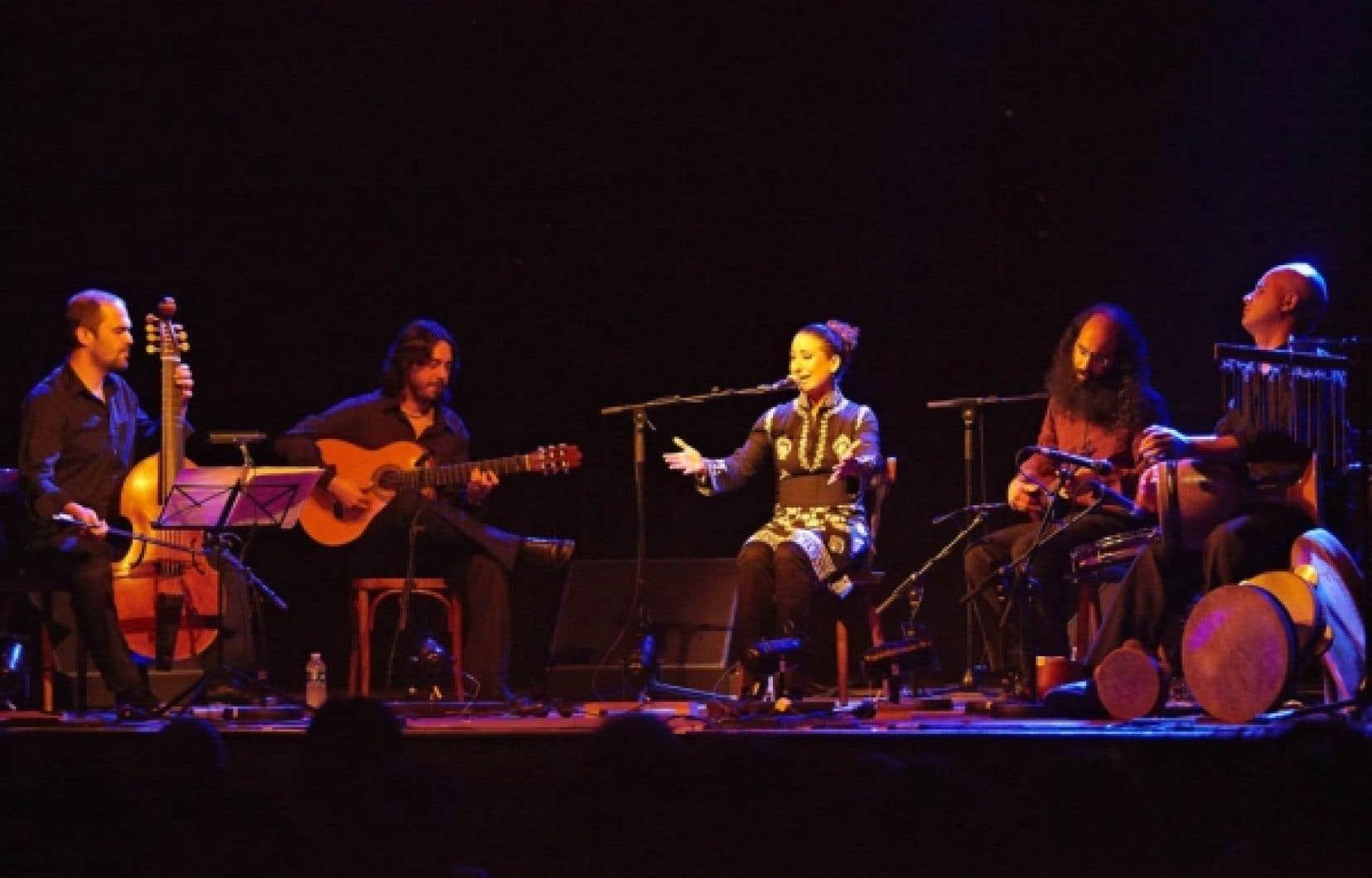 Inspiré d'un poème de Garcia Lorca, El grito, el silencio… est né sur scène à Montréal en 2008.