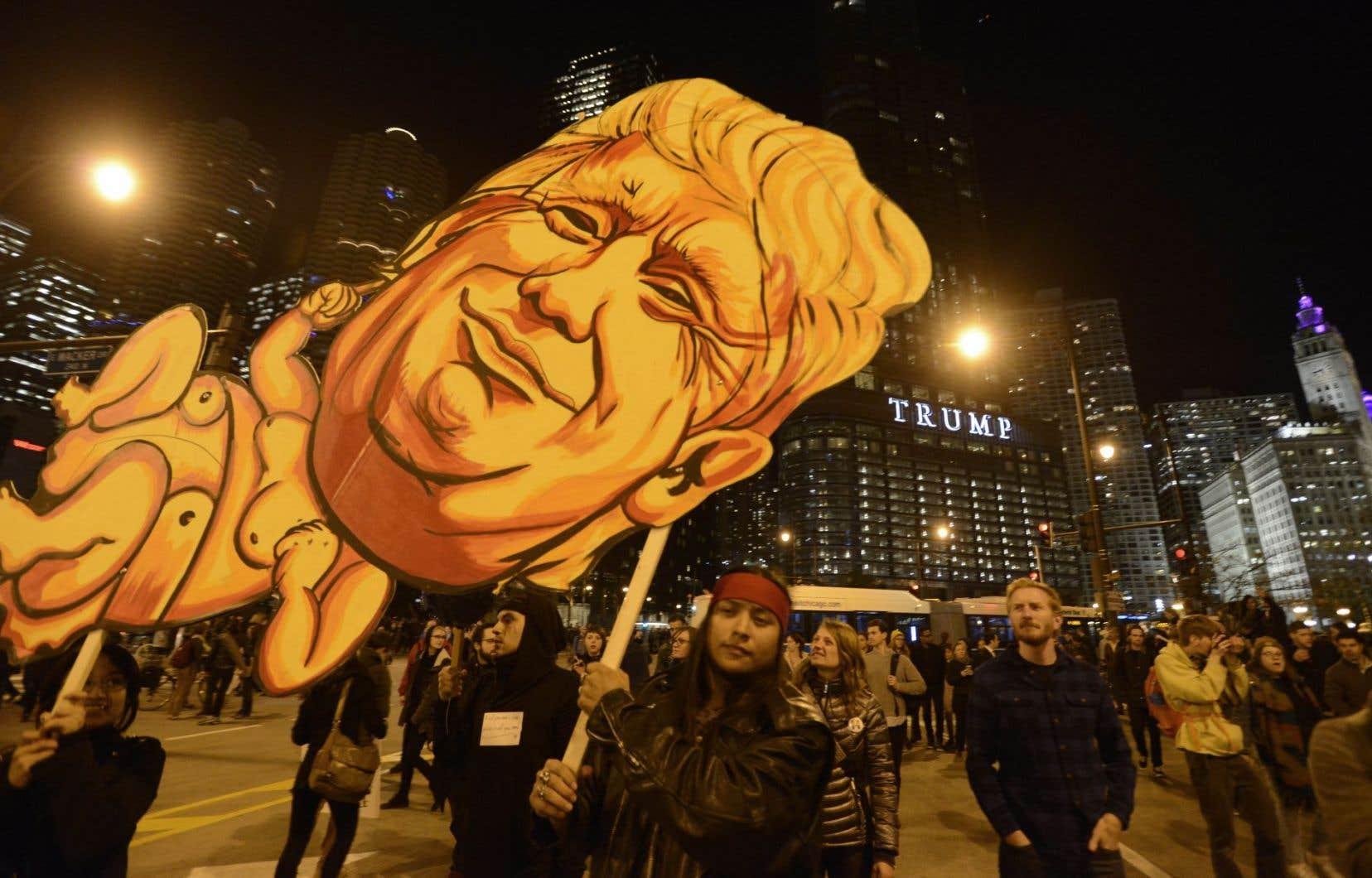 <p>Selon l'Oxford Dictionary, «post-vérité» est devenu en 2016 <em>«un pilier du commentaire politique»</em>,notamment grâce à l'élection présidentielle aux États-Unis.</p>